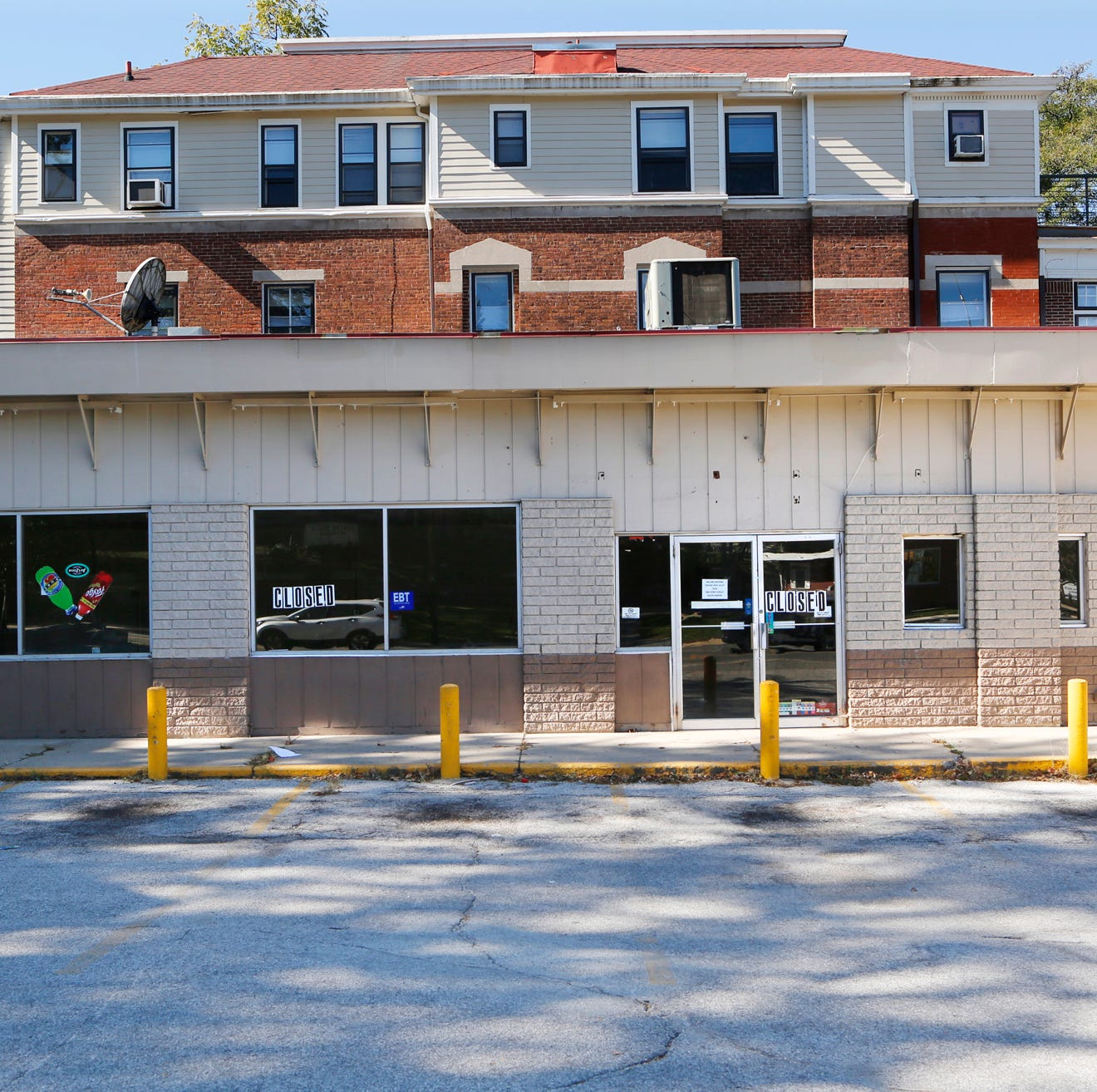 Lafayette buys old Village Pantry site at 9th and South, plans stormwater park