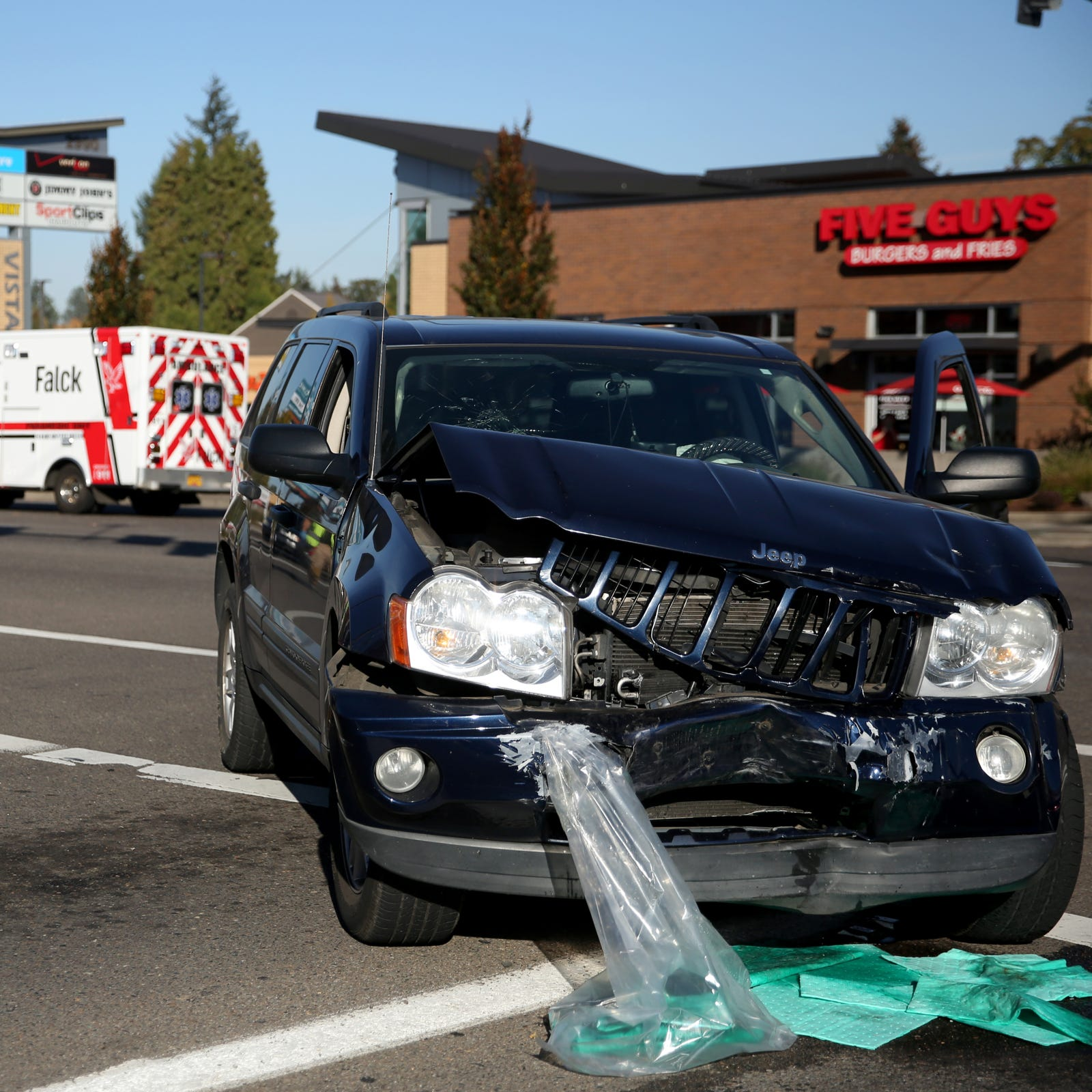 Two-vehicle crash closes Vista Avenue SE on Commercial Street SE intersection