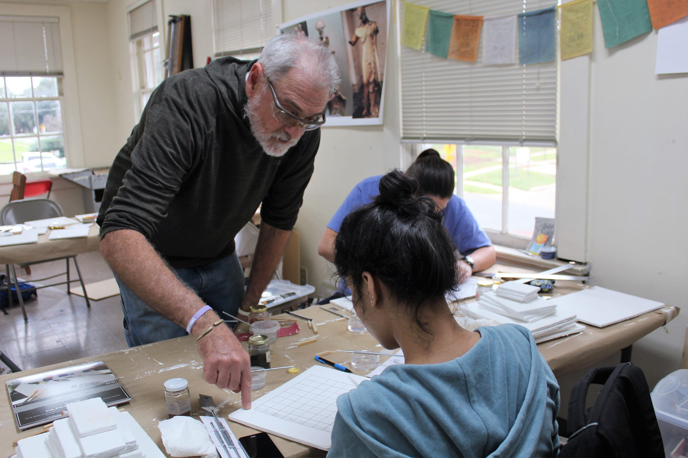Artist Bruce Allen teaches students at Centenary College.
