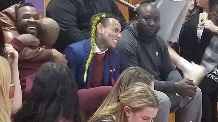Rapper Tekashi 6ix9ine shows up at Clarkstown volleyball game, angering some