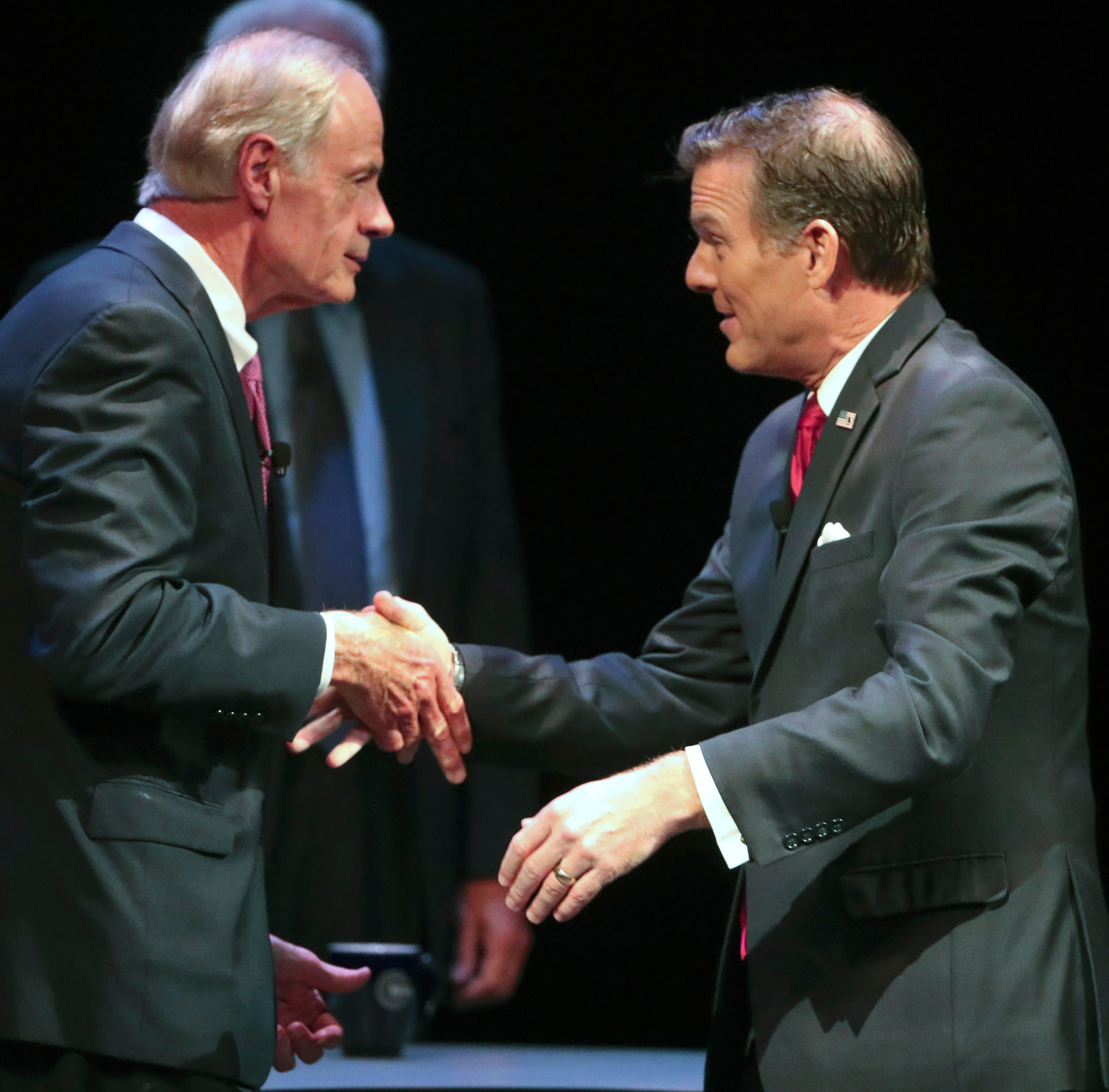 U.S. Sen. Tom Carper pressed by Arlett about decades-old domestic violence incident during debate