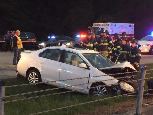 one injured in three car crash on del 1 thursday morning