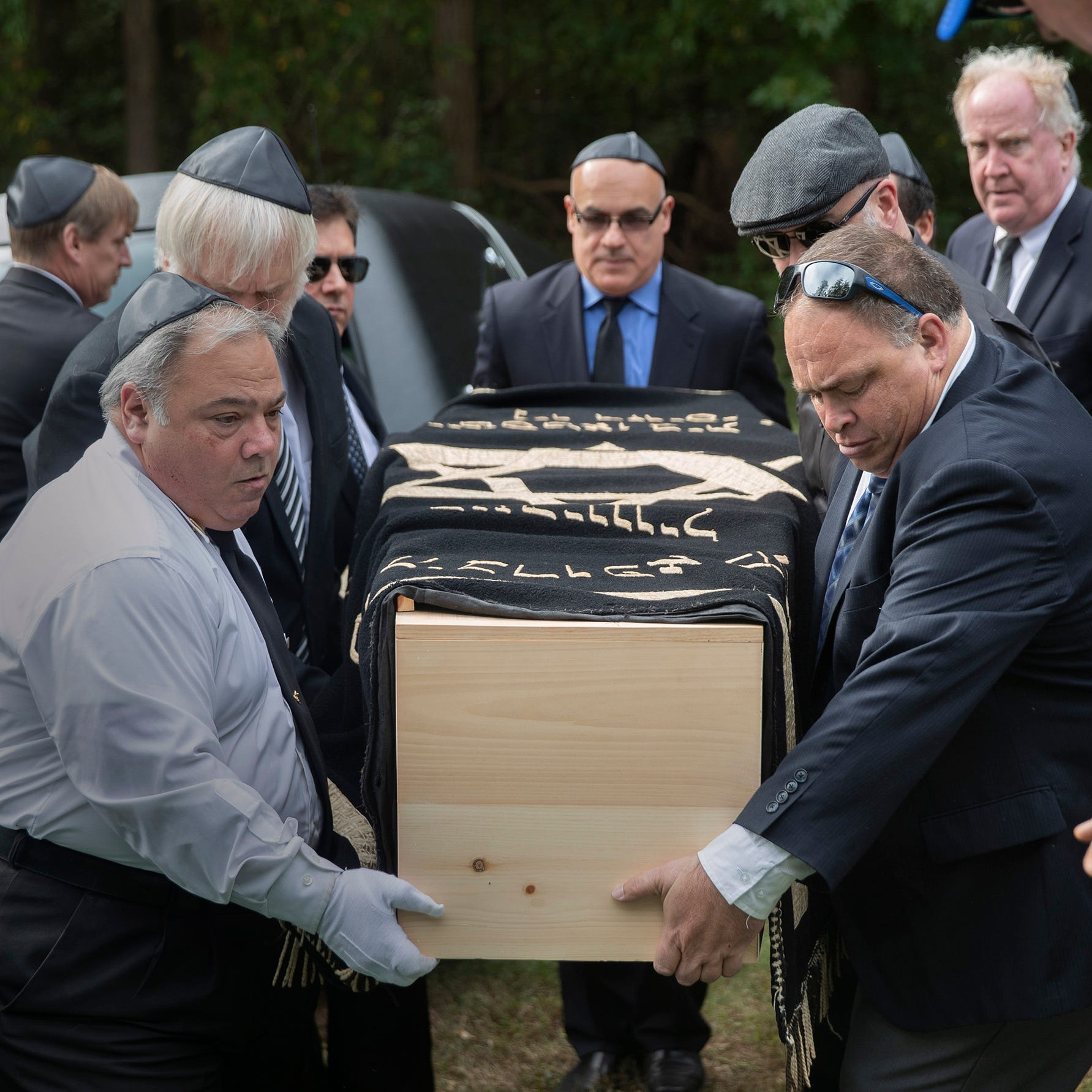 Jerry Wolkowitz funeral: Mourners celebrate 'life well lived' by photojournalist, EMT