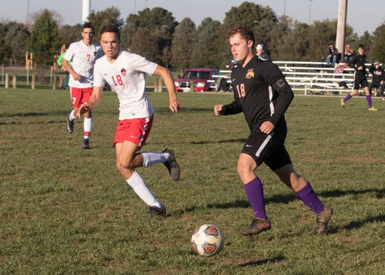 Unioto soccer's Hayden Longcoy announced his commitment to play collegiate soccer at Lake Eric College via Twitter on Sunday.