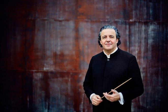 Spanish conductor Juanjo Mena returns to May Festival in 2021.