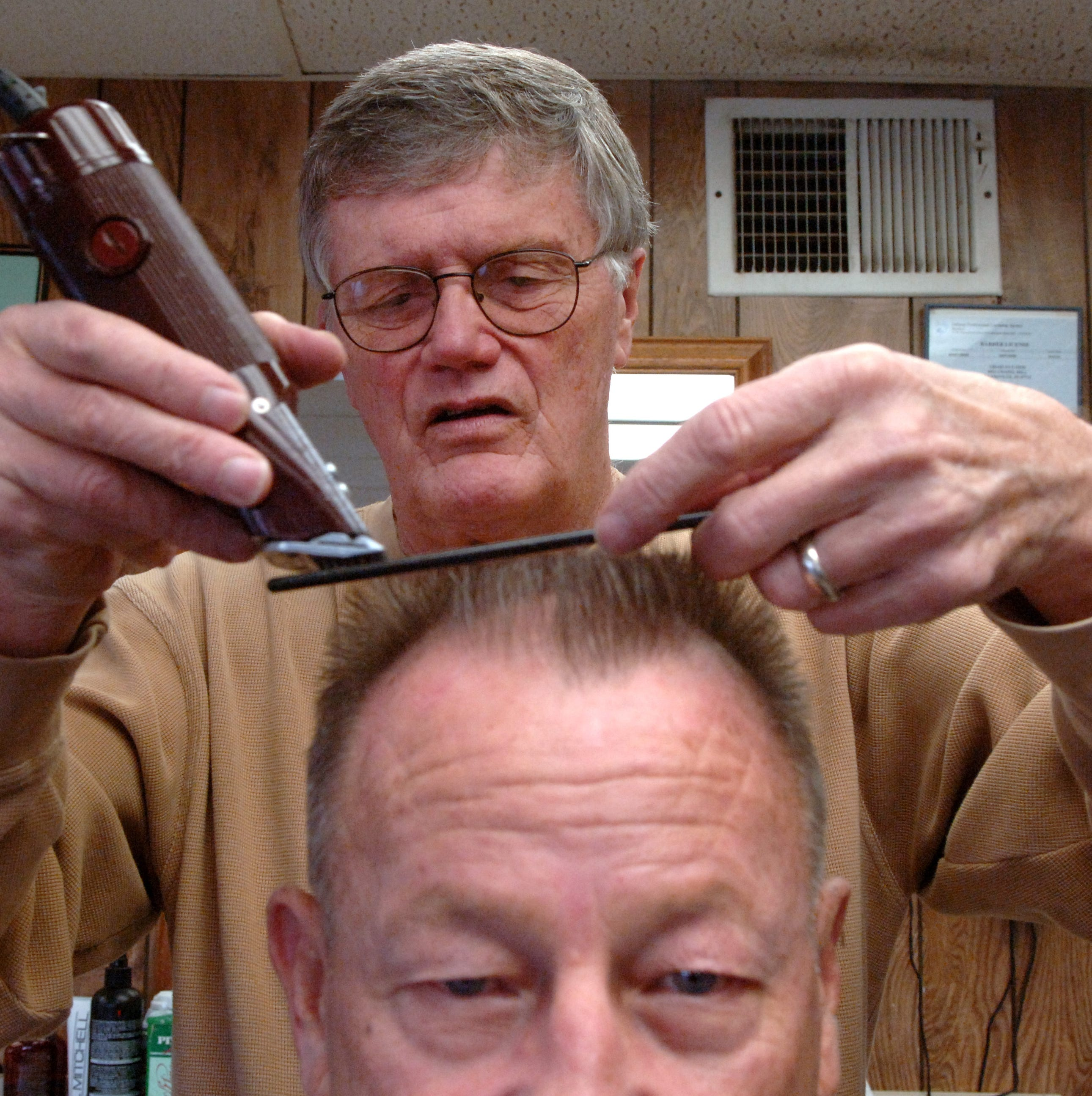 Eddie Geis, a West Side fixture and longtime Evansville barber, has died at age 77