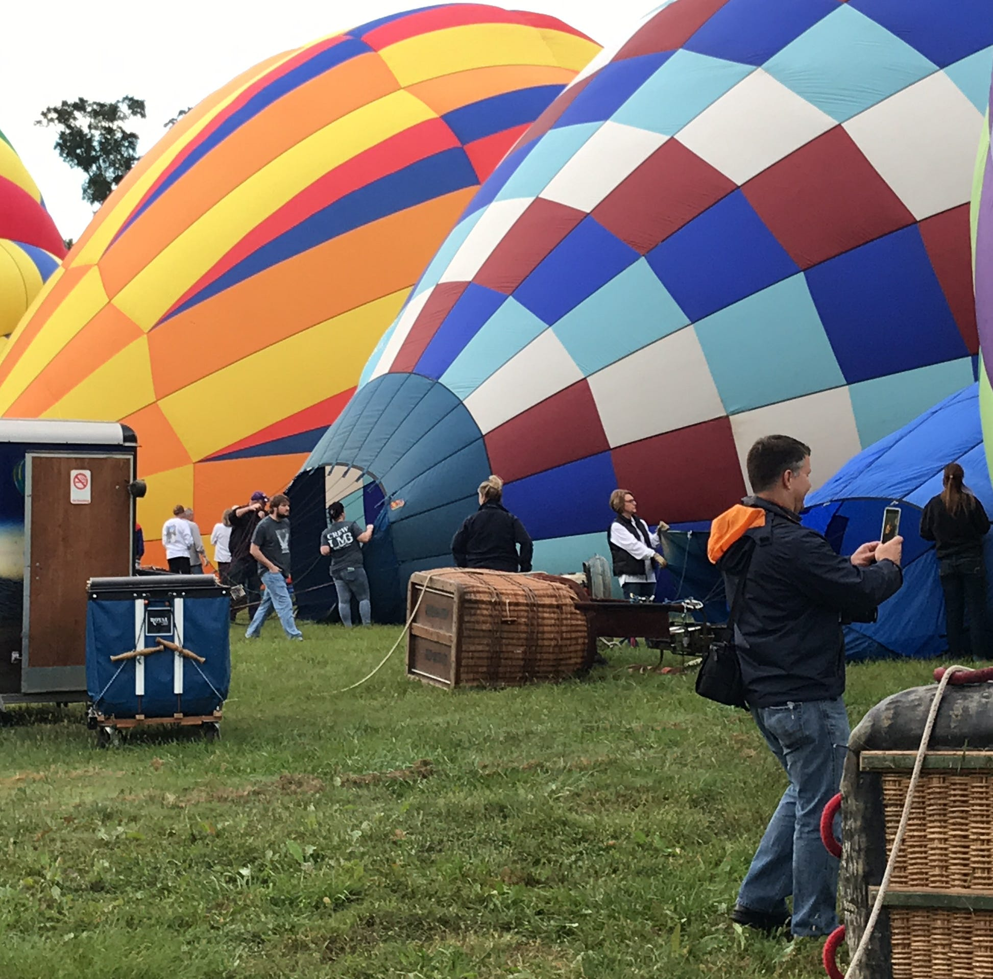 Balloon pilots go up, up and away for annual Natchez celebration