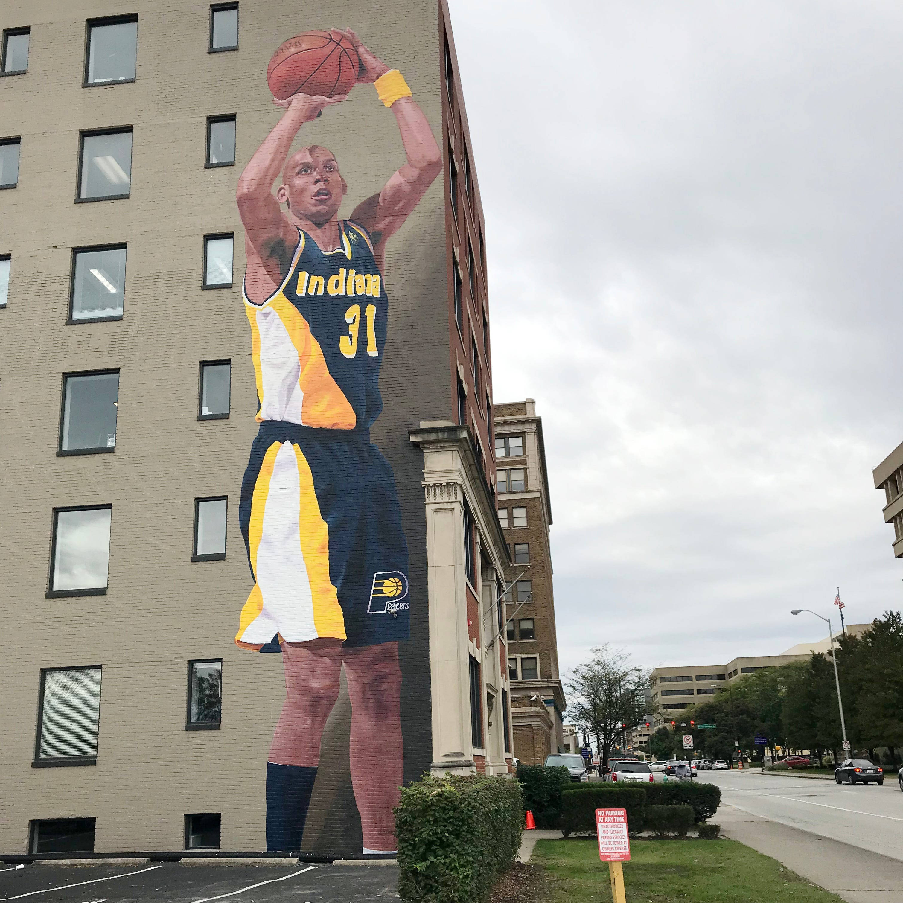 The Reggie Miller mural in Downtown Indianapolis is finished, it's massive and it's glorious