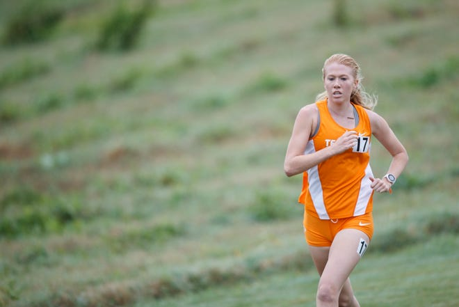 Peighton Meske of the Tennessee Volunteers during the Tennessee Dual between the Tennessee Volunteers and the Louisville Cardinals at Cherokee Farms Cross Country Course in Knoxville, TN.