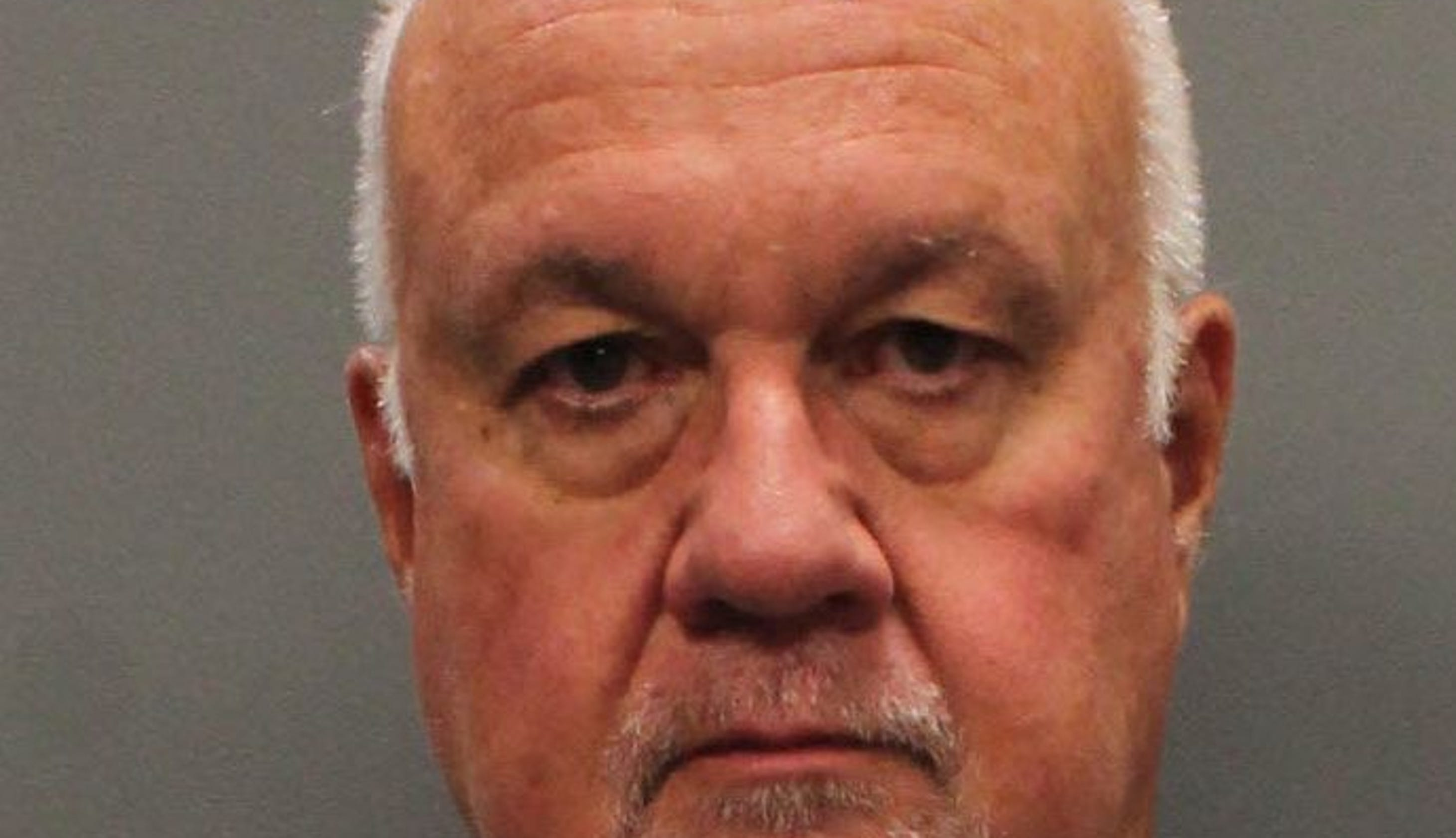 Former Knoxville attorney admits embezzling from law firm
