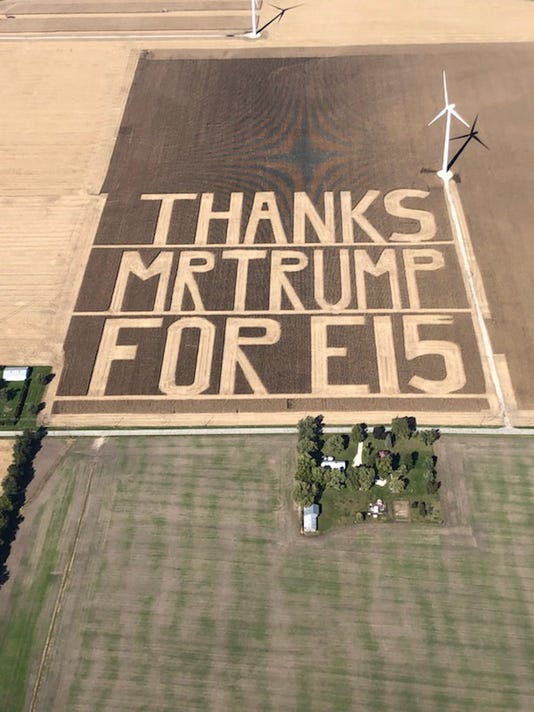 Indiana farmers cut 60 acre thanks to donald trump after e15 decision benton county farmers greeting card to trump harvested from 60 acres of corn catches eyes at the white house m4hsunfo