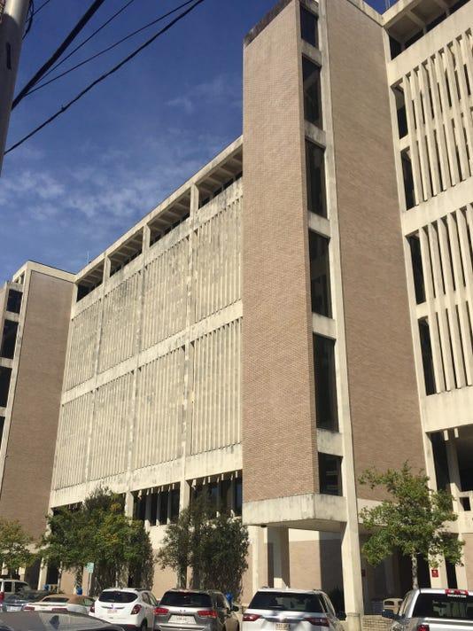 Parish Courthouse 8904