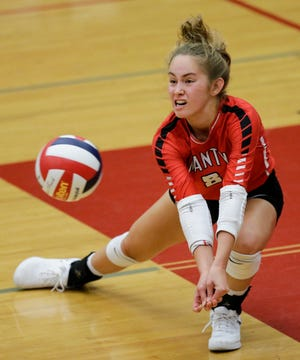 Lincoln's Lauren Borchardt (8) digs against Hartford during a regional semifinal at Manitowoc Lincoln High School Thursday, October 18, 2018, in Manitowoc, Wis. Joshua Clark/USA TODAY NETWORK-Wisconsin