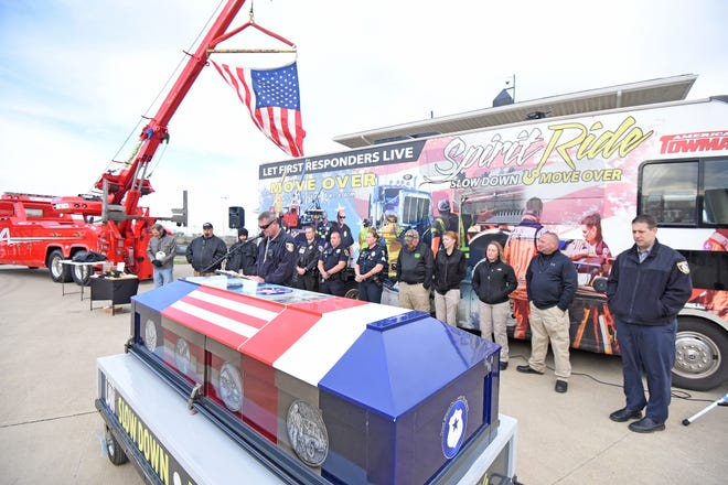 A ceremony Friday morning at the Mansfield Motor Speedway honored fallen first responders as part of an effort to raise awareness of the Move Over law. A Spirit Ride including emergency vehicles paraded from Ohio  13 to US 30.