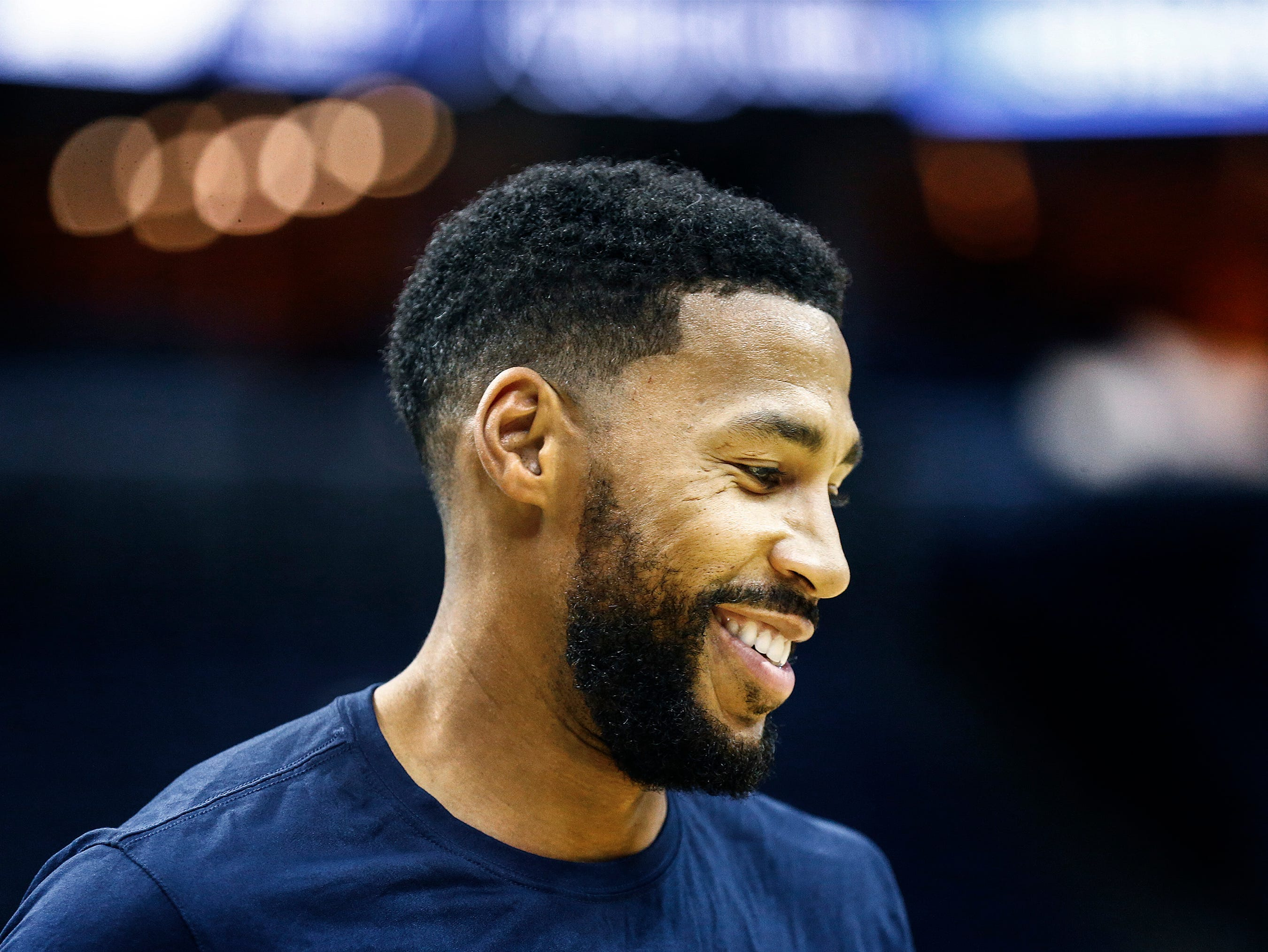Memphis Grizzlies forward Garrett Temple warms up before taking on the Atlanta Hawks in their home-opener at the FedExForum in Memphis, Tenn., Friday, October 19, 2018.