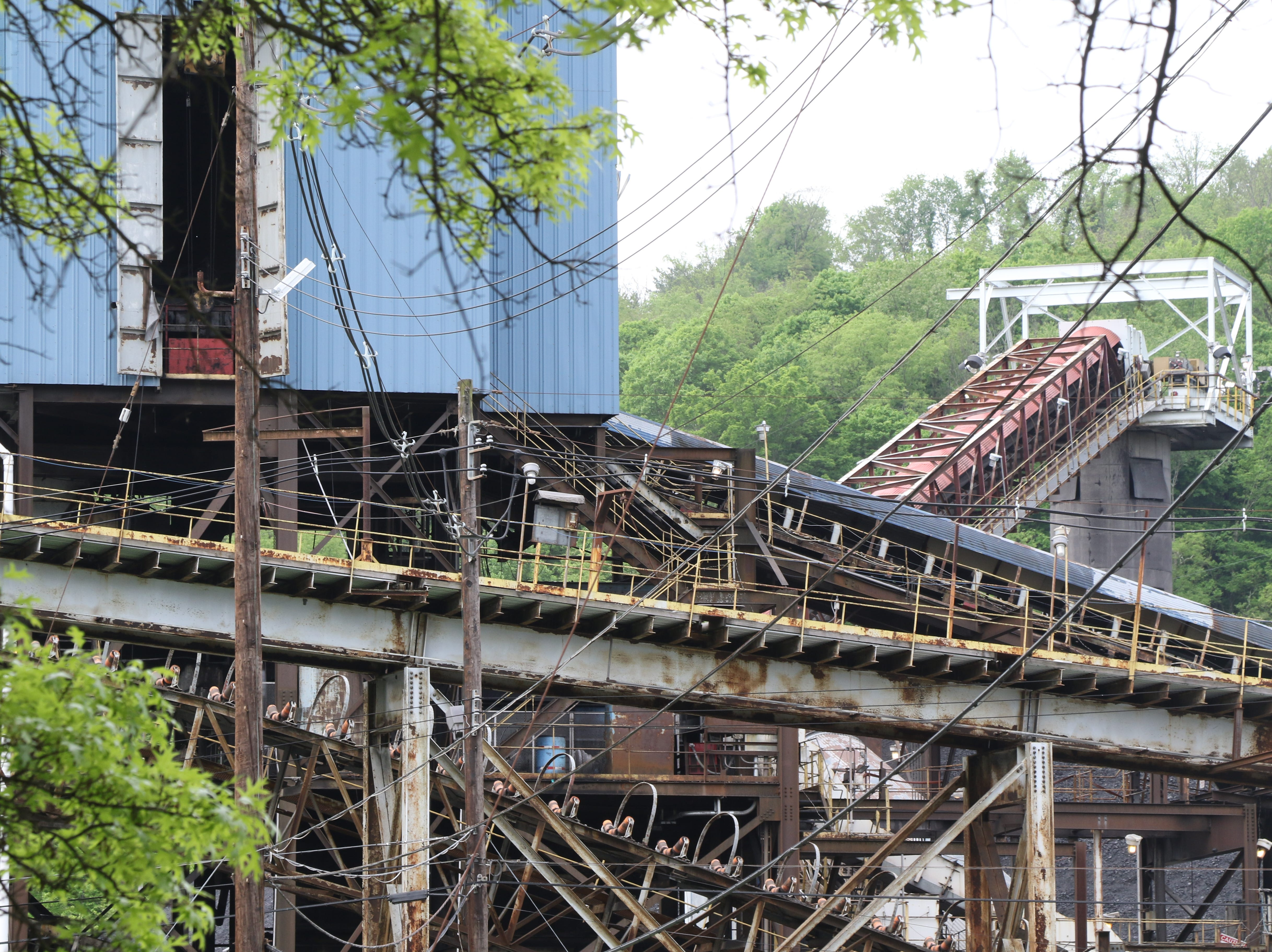 The delivery and processing structure at the Cumberland Mine, set into a ring of rolling hills about 10 miles south of Waynesburg.