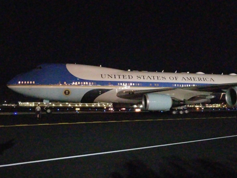 President Donald Trump lands in Phoenix ahead of Mesa rally | Arizona Central