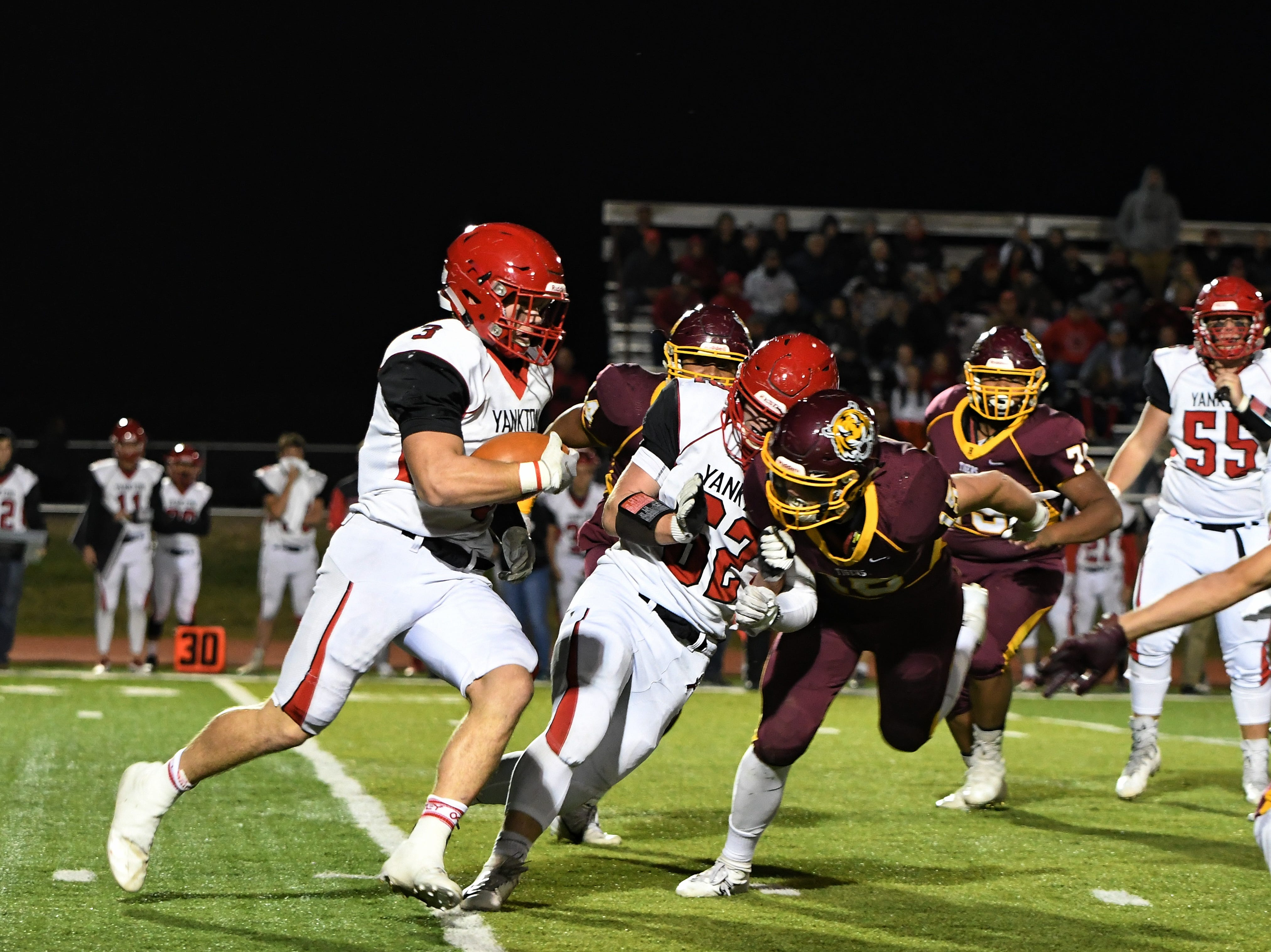 Yankton comes back from 14-0 deficit to beat Harrisburg