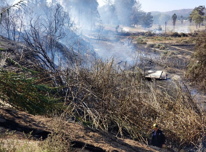 A small brush fire started near a golf course in Santa Paula early Friday afternoon.