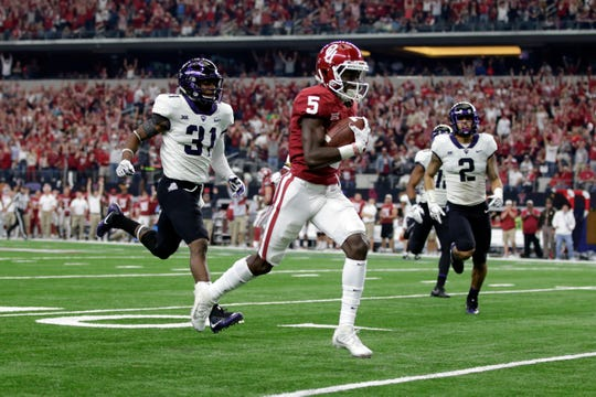Oklahoma wide receiver Marquise Brown scores a touchdown in the third quarter against TCU in the Big 12 championship game.