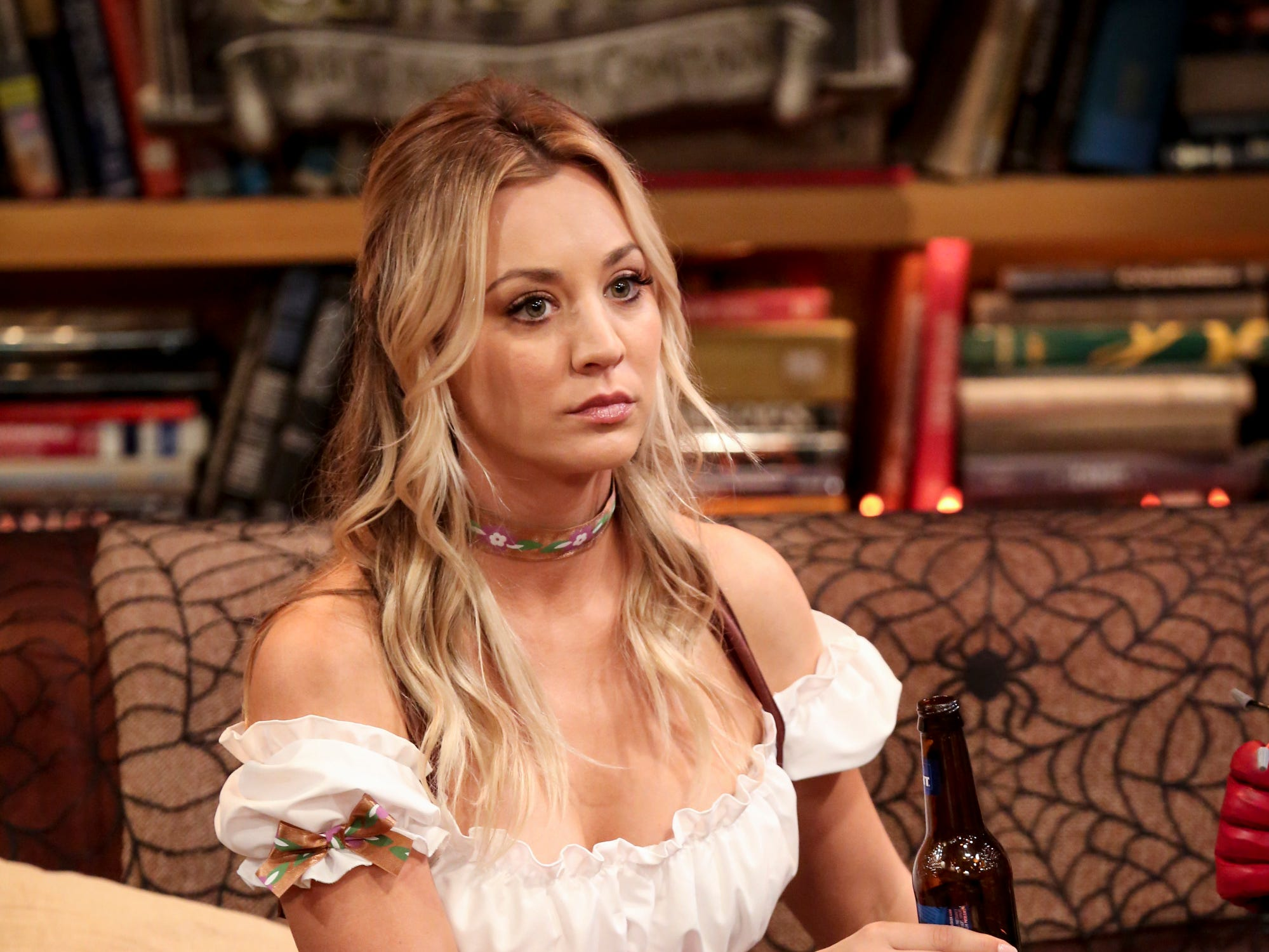 Penny (Kaley Cuoco), on the other hand, decides to go for a non-nerdy costume this season.
