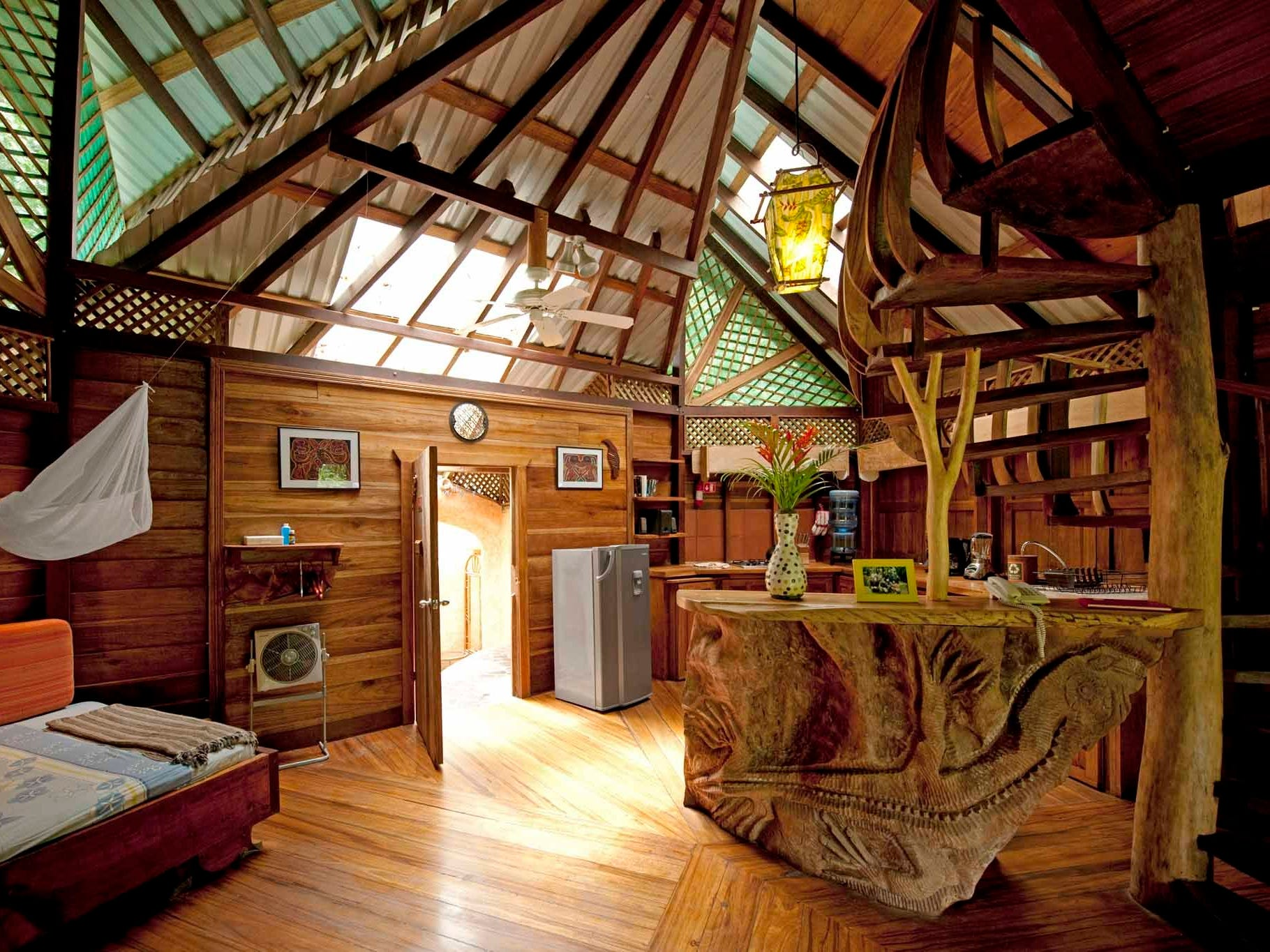 There's a great variety among the eco-lodges of Costa Rica. Some are luxurious and offer fine dining, while others will be on the rustic side with facilities to prepare your own meals.