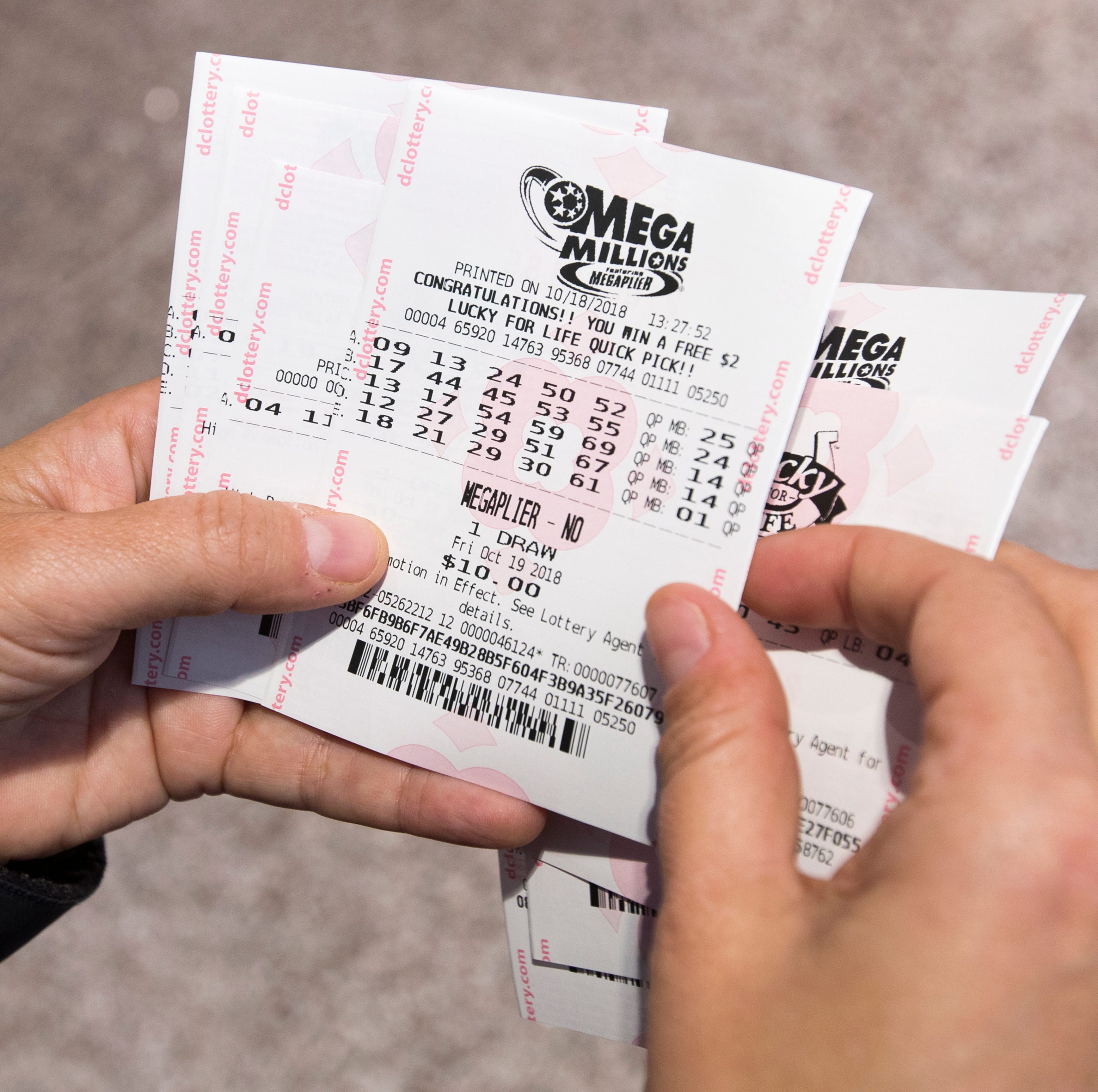 Friday's $1 billion Mega Millions numbers