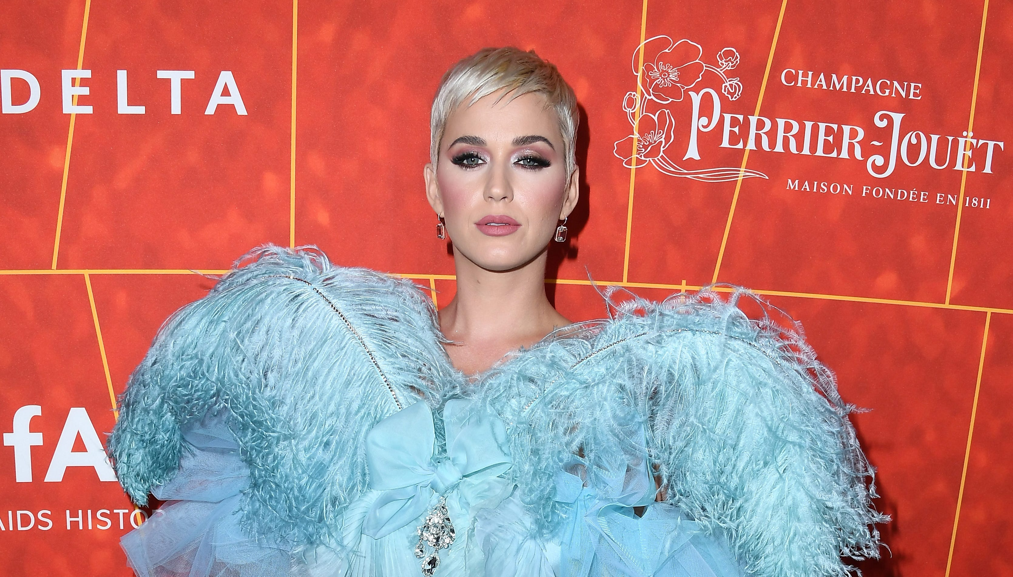 Katy Perry Suggests Donald Trump's Heartless & # 39; calif