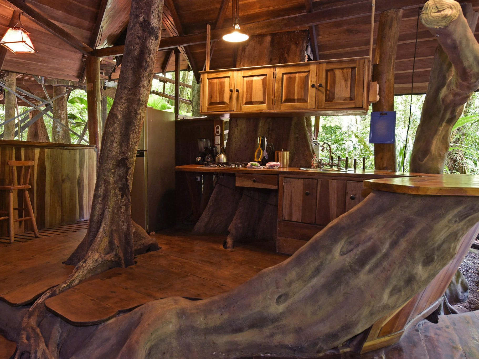 Family-friendly Costa Rica Tree House Lodge has five screened-in accommodations built with natural materials such as bamboo and locally sourced nispero beams.