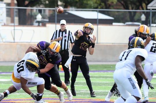 Hardin-Simmons quarterback Ty Hooper (12) throws a pass against Texas Lutheran at Shelton Stadium on Saturday, Oct. 20, 2018.