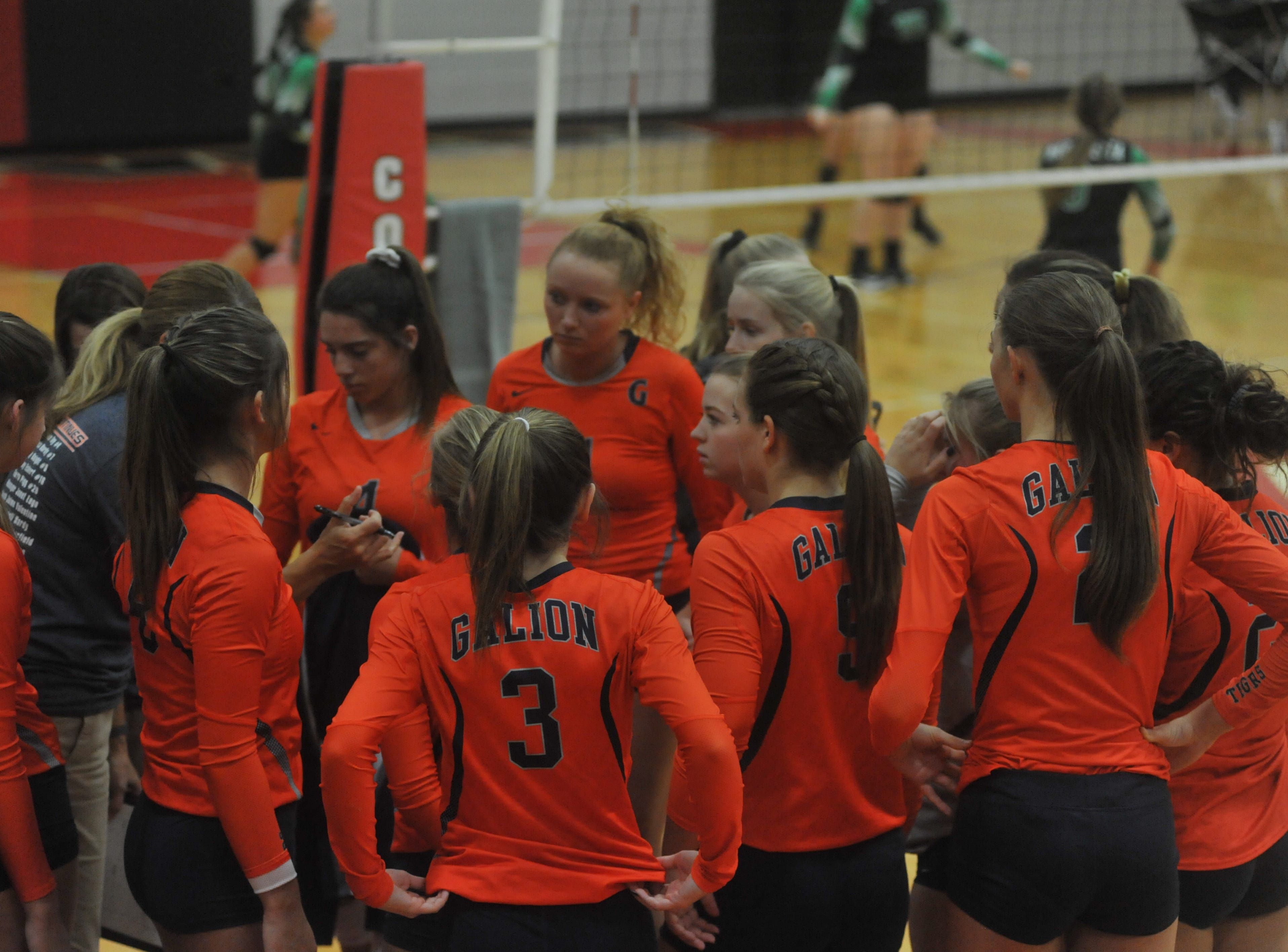 Galion huddles before the sectional final against Margaretta.