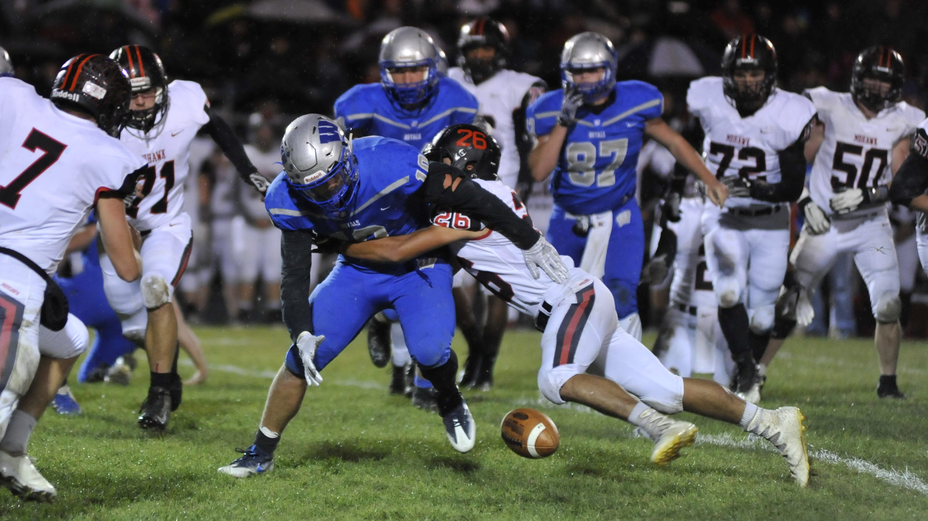Warriors throttle Royals to remain undefeated