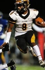 Piscataway's Juwon Jackson runs the ball during the first half against Sayreville on Friday, Oct. 19, 2018.
