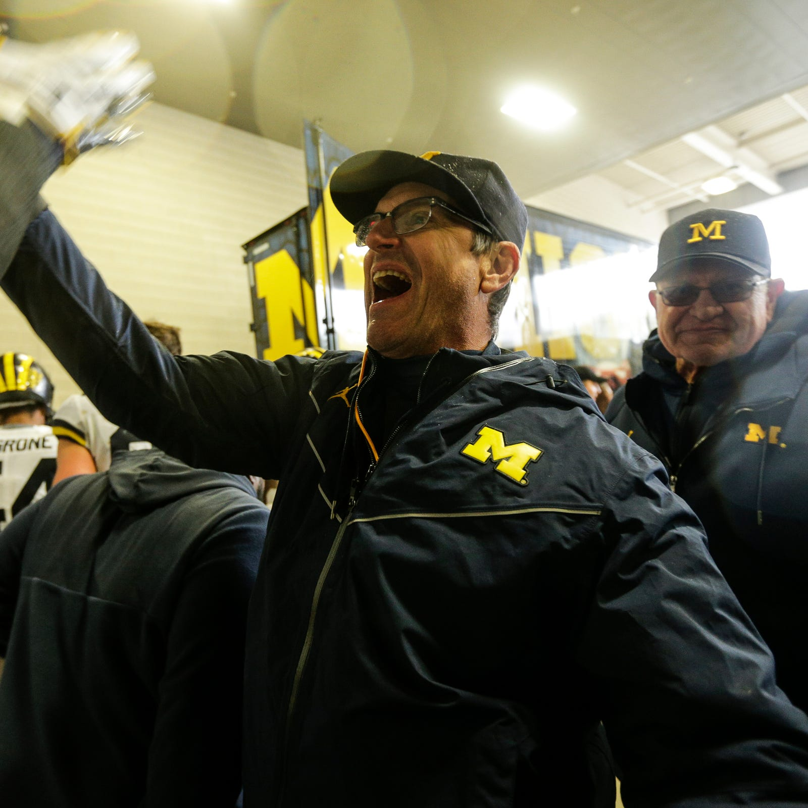 Jim Harbaugh: MSU 'bush league' for antics; Dantonio: 'That's B.S.'