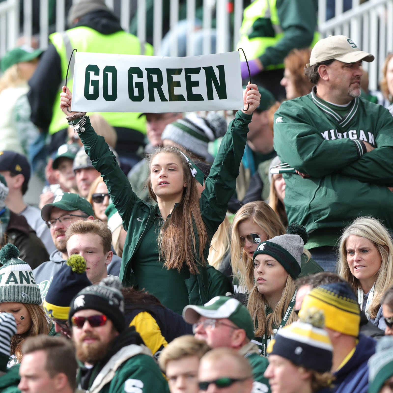 What Michigan, Michigan State fans did during weather delay