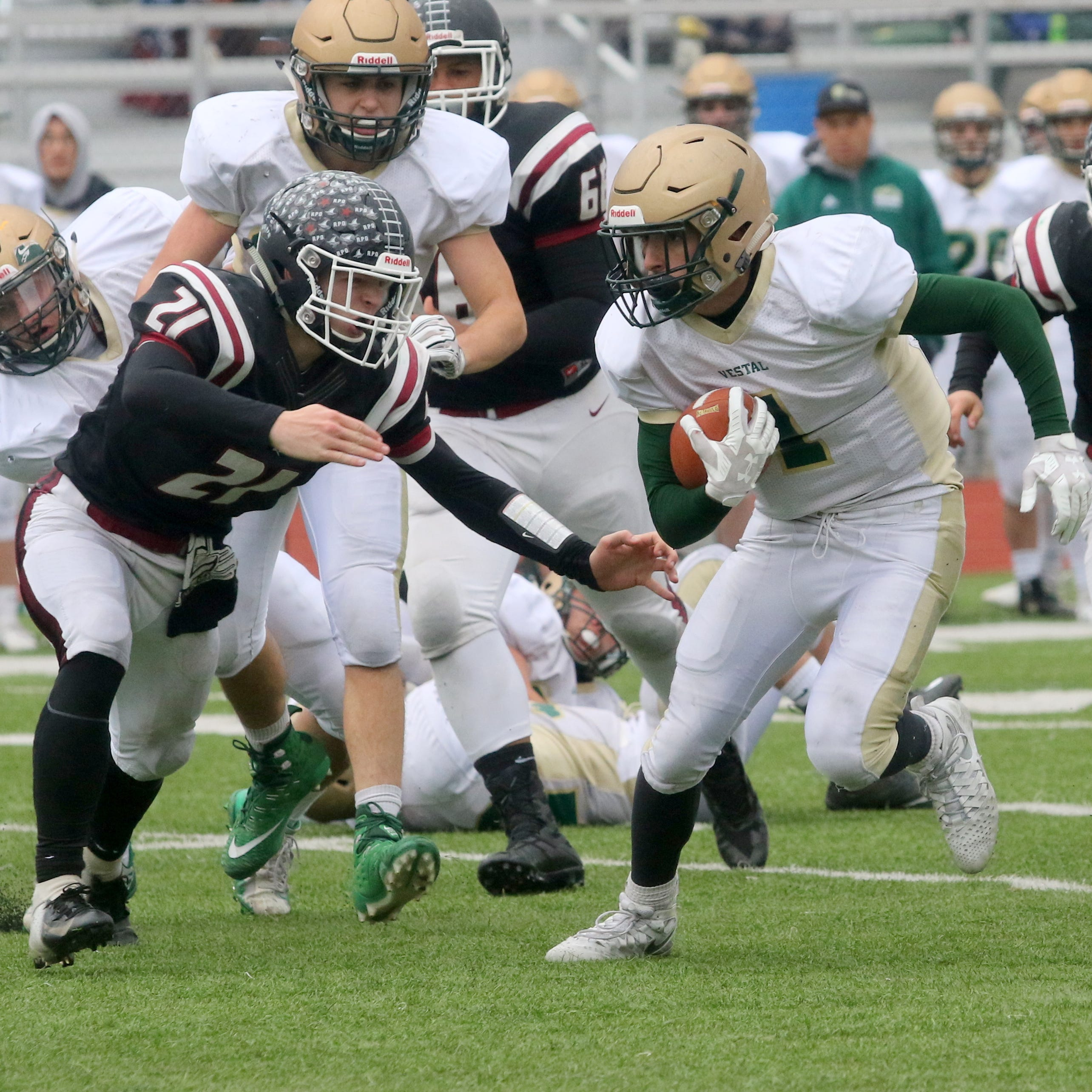 Vestal deals Elmira first loss behind 200-yard day from Matt Thrasher