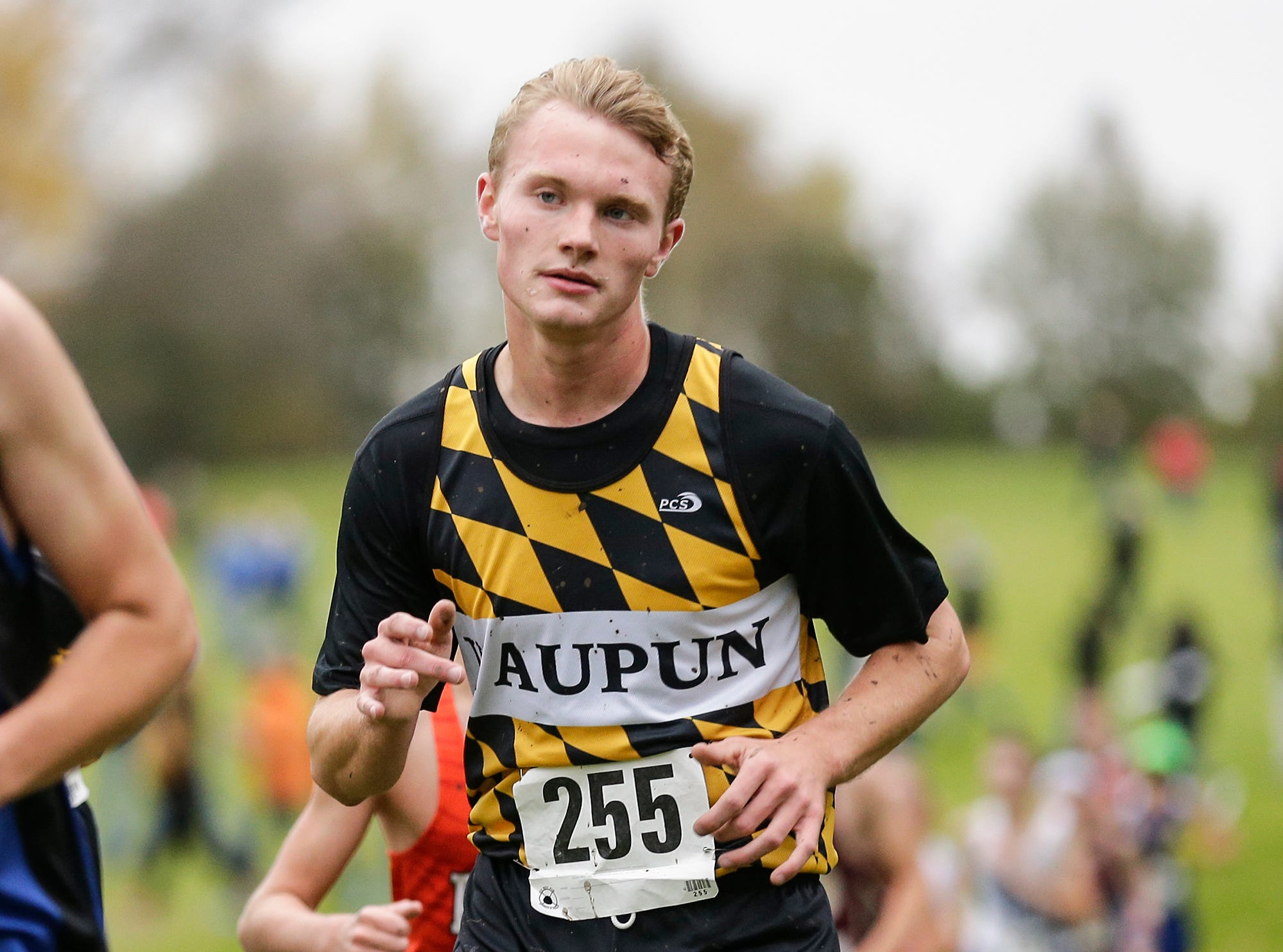 Waupun High School's Kanon Smit runs in the WIAA Division two Mayville sectional cross country meet at the Mayville golf course Friday, October 19, 2018. Doug Raflik/USA TODAY NETWORK-Wisconsin