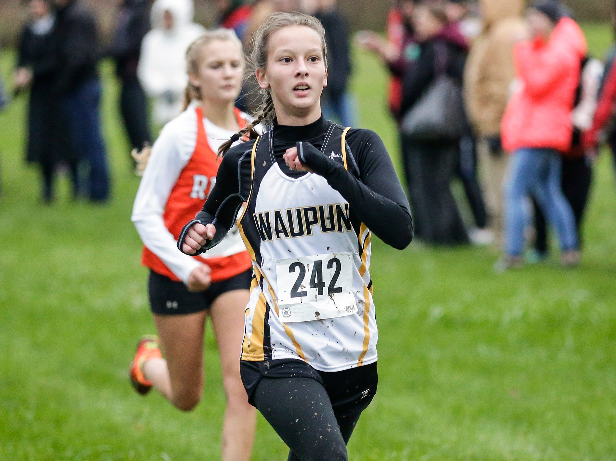 Waupun High School's Maya Bruene runs in the WIAA Division two Mayville sectional cross country meet at the Mayville golf course Friday, October 19, 2018. Doug Raflik/USA TODAY NETWORK-Wisconsin