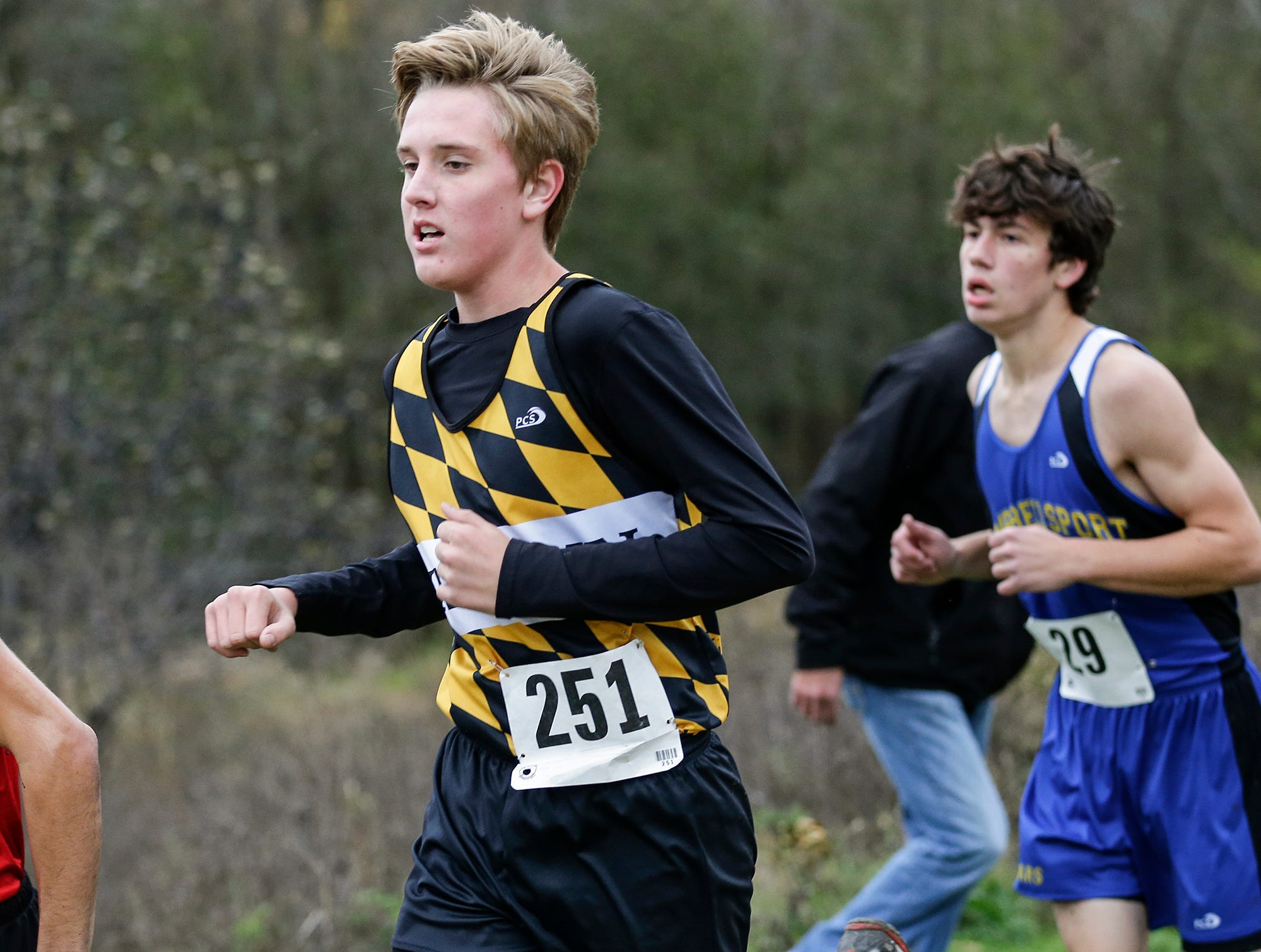 Waupun High School's Levi Kastein runs in the WIAA Division two Mayville sectional cross country meet at the Mayville golf course Friday, October 19, 2018. Doug Raflik/USA TODAY NETWORK-Wisconsin