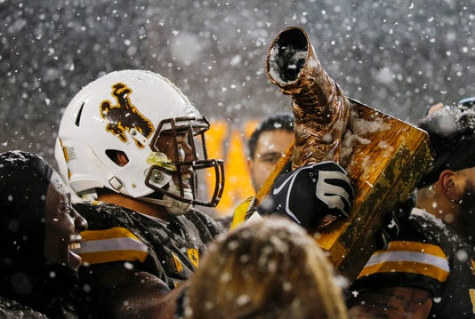 Ncaa Football Colorado State At Wyoming