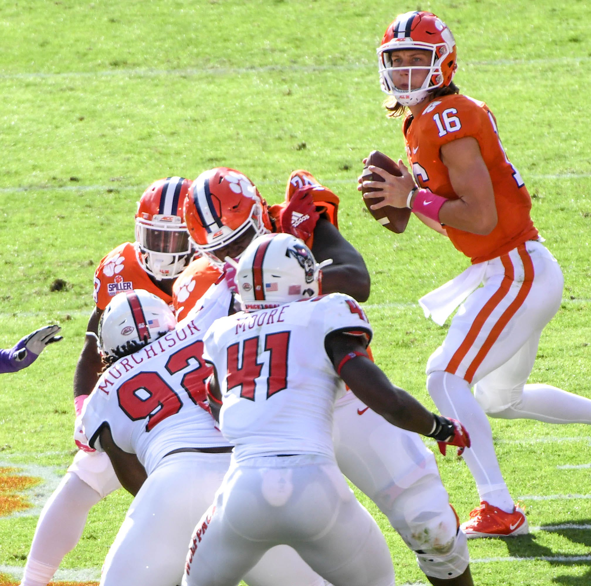 Clemson freshman quarterback Trevor Lawrence shines in battle of unbeatens