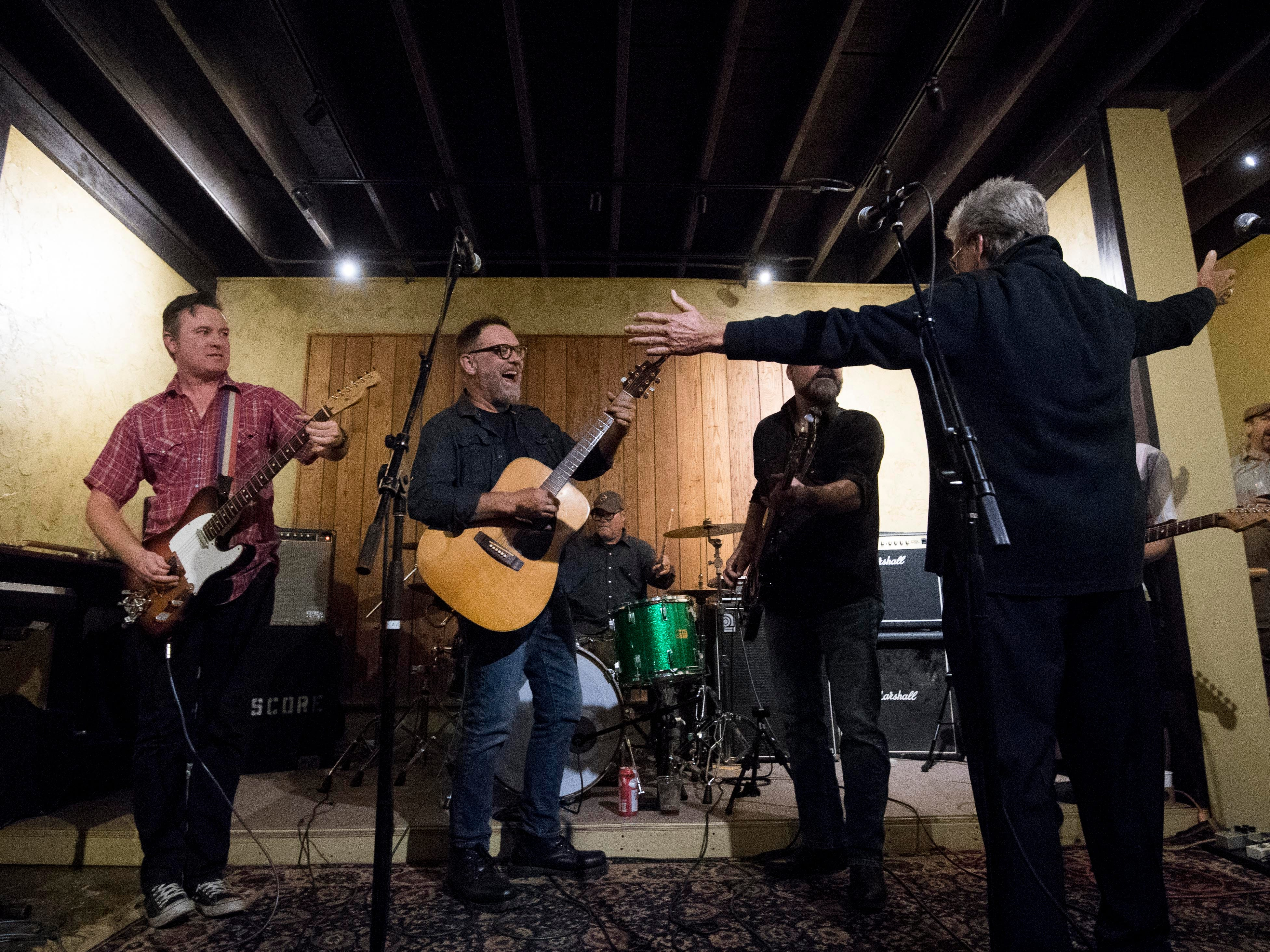 Con Hunley thanks Mic Harrison and the High Score after playing together at The Corner Lounge on Friday, October 19, 2018.