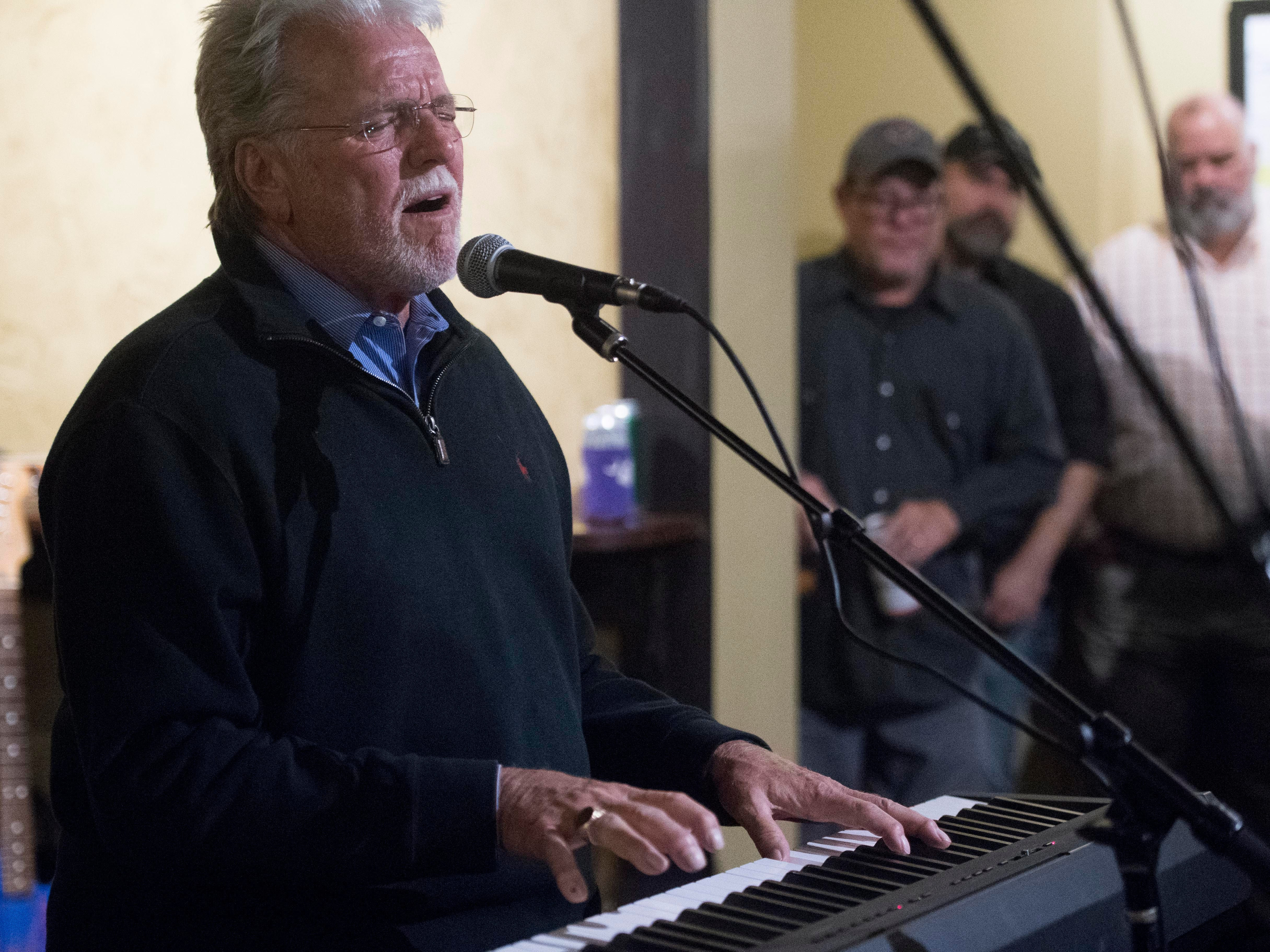 Con Hunley returns to The Corner Lounge with a surprise concert with Mic Harrison and the High Score on Friday, October 19, 2018.