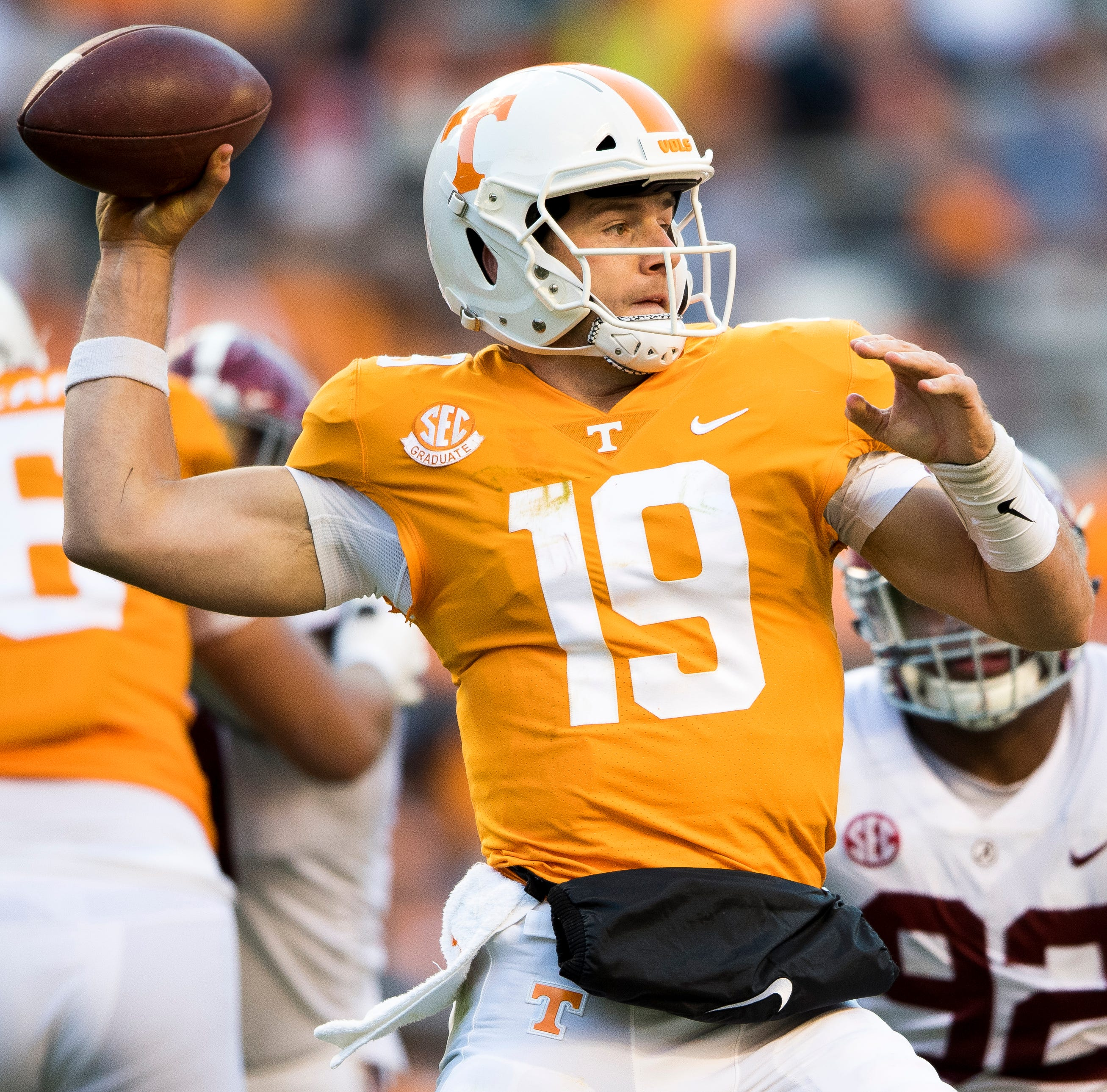 Vols: Jarrett Guarantano expected to be fine, Keller Chryst fills in well against Alabama