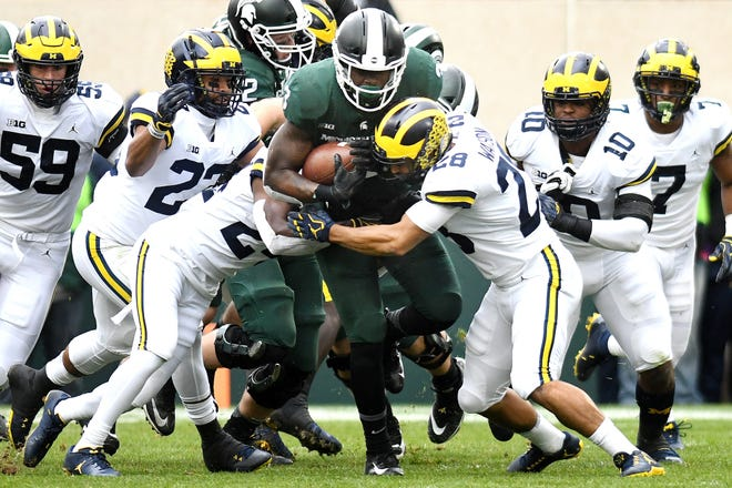 Michigan State carried 10 times for 25 yards, with a long carry of 9 yards during MSU's 21-7 loss to Michigan. It was Scott's first action since suffering an ankle injury against Arizona State on Sept. 8.