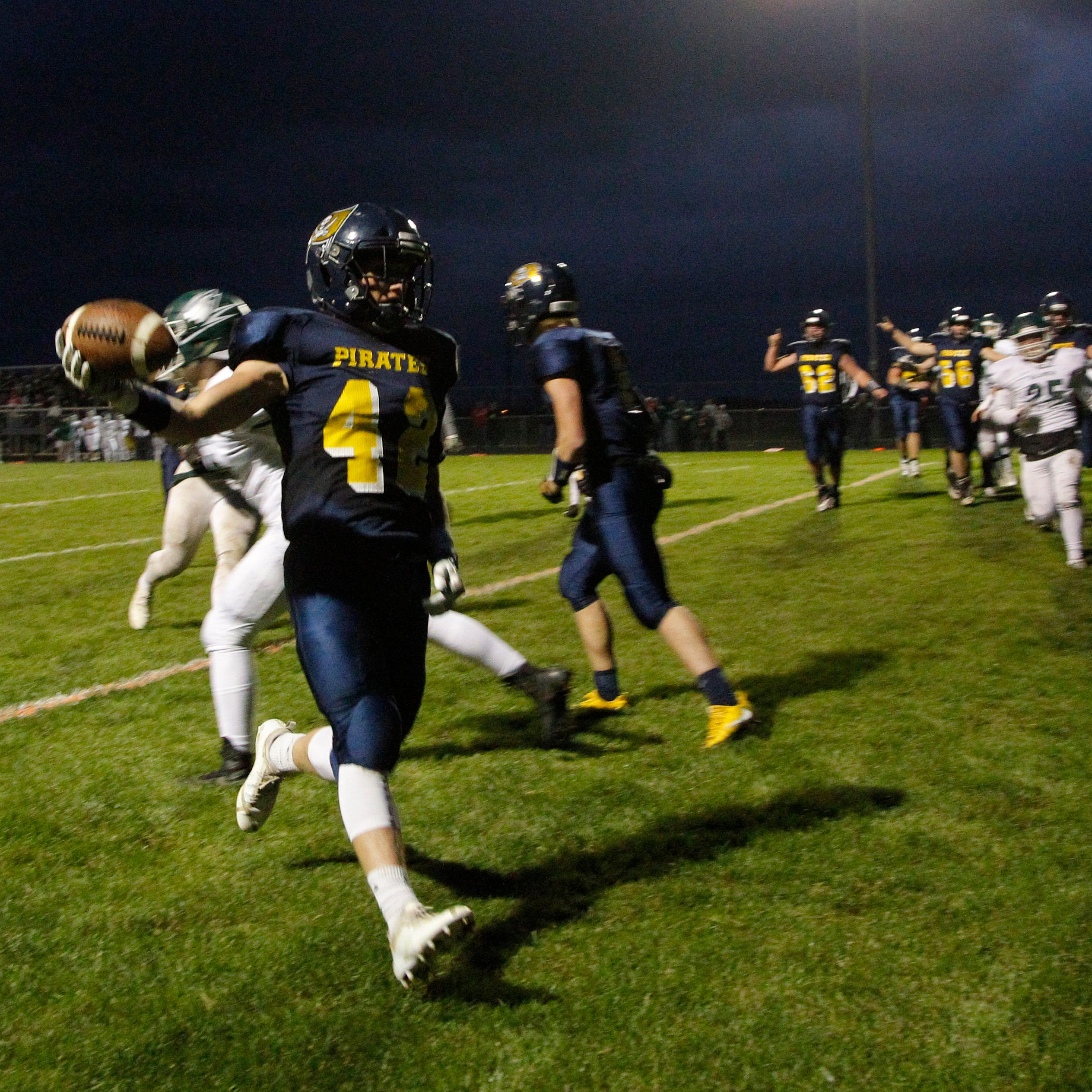 Division 7 top-ranked Pewamo-Westphalia shows its strength with OT win over Williamston