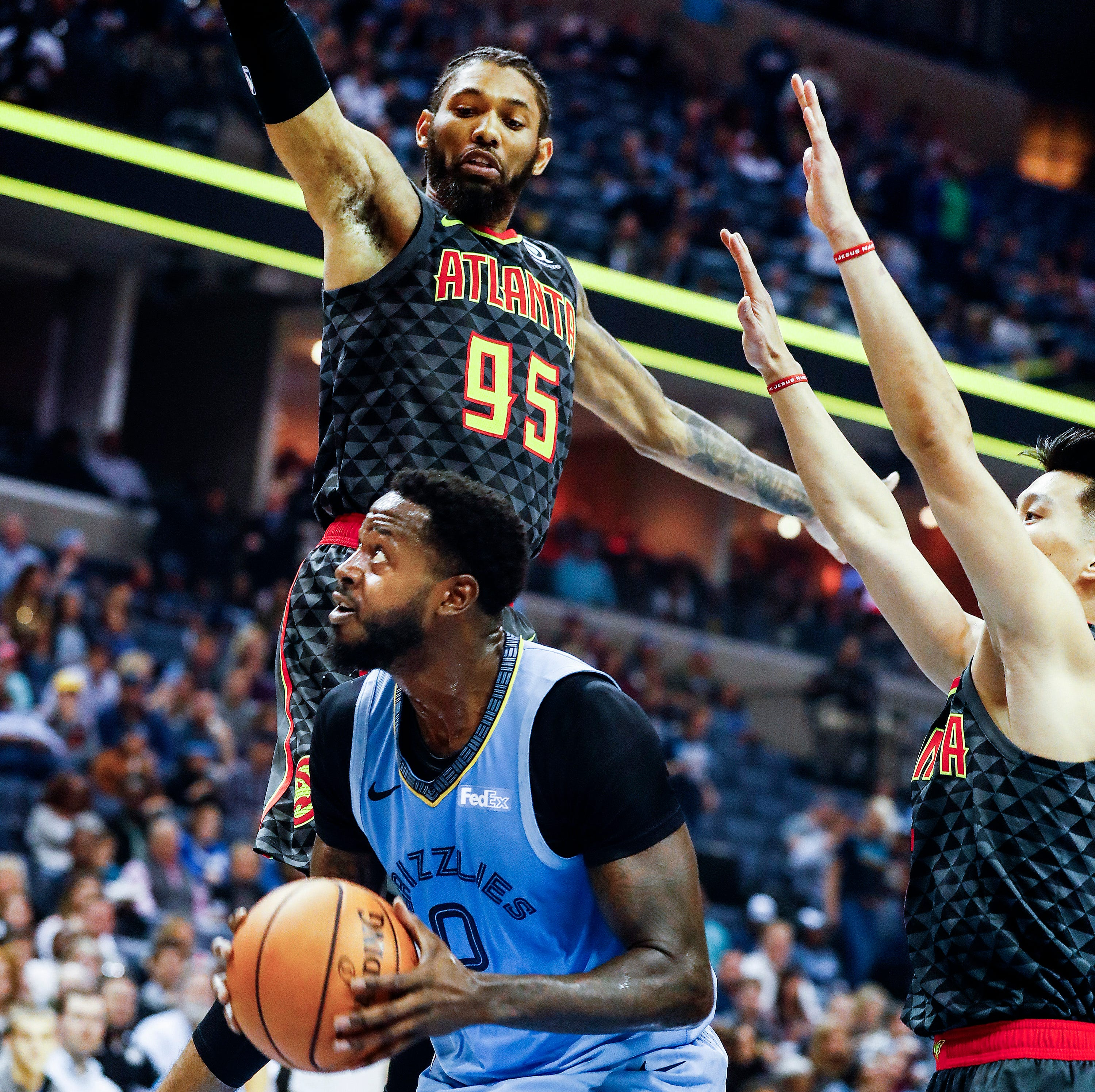 Memphis Grizzlies F JaMychal Green suffers broken jaw in home opener