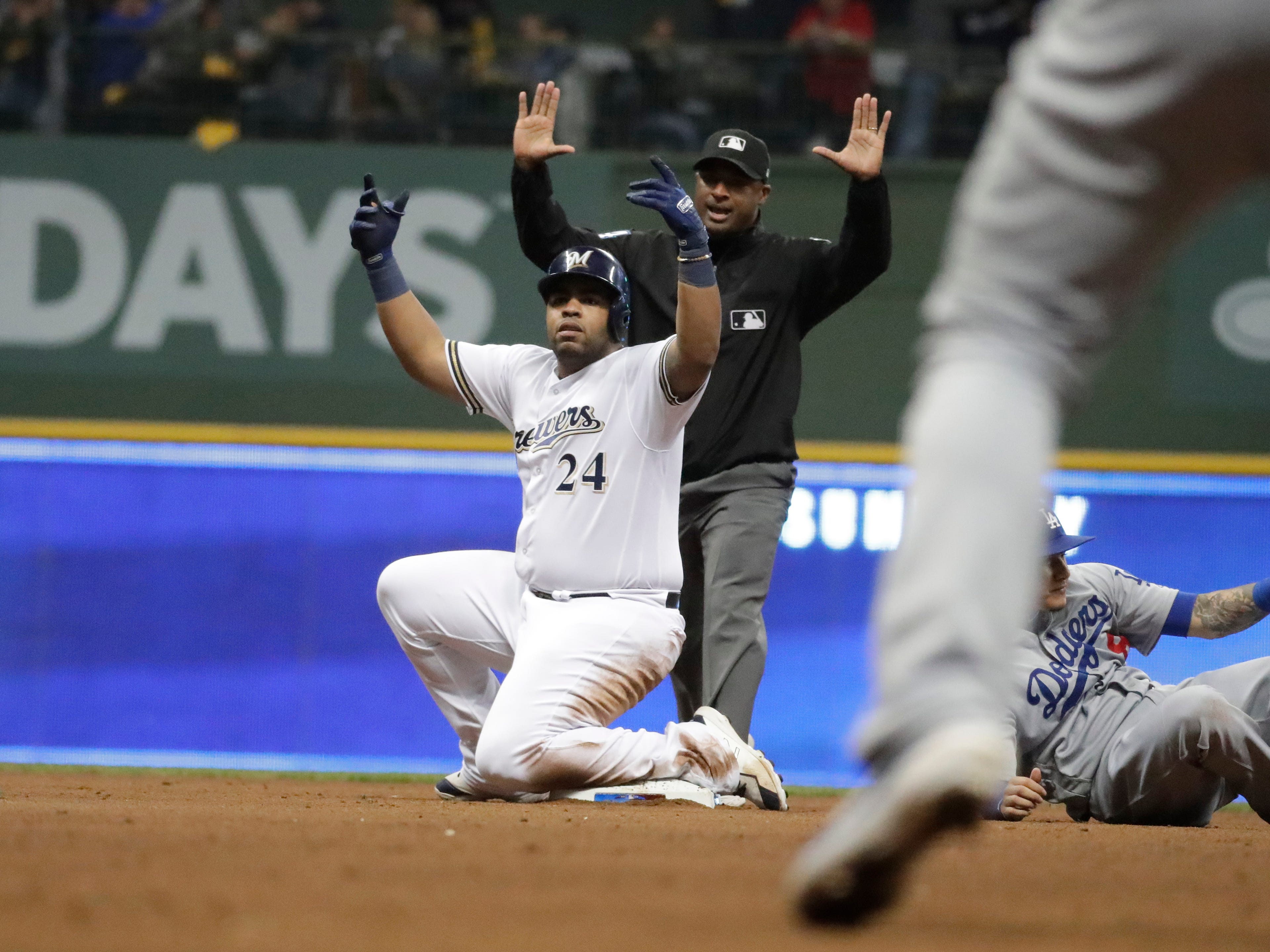 Jesus Aguilar finds a great time to break out with his best game of the NLCS