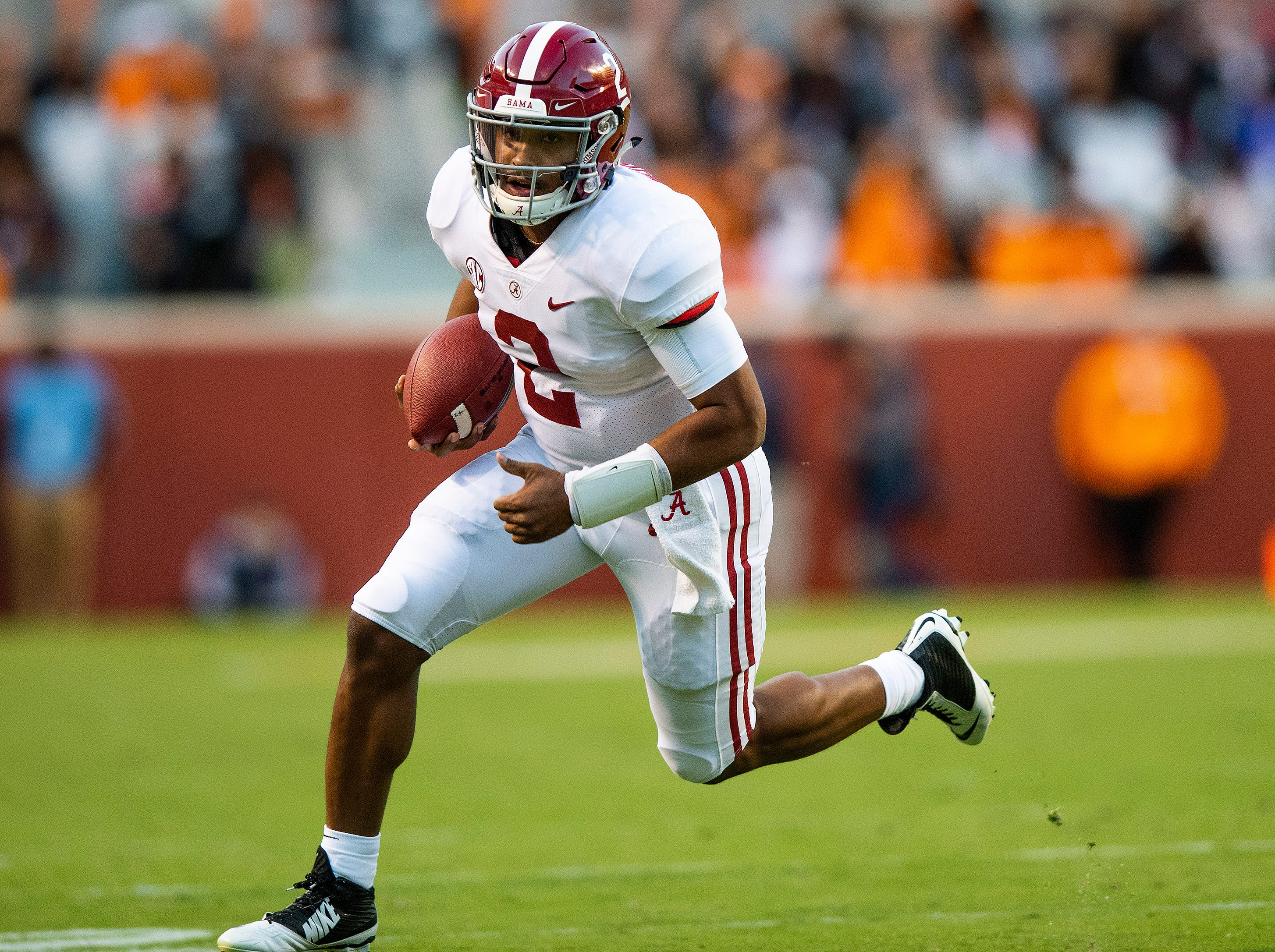 Alabama quarterback Jalen Hurts (2) rushes for a touchdown against Tennessee in second half action at Neyland Stadium in Knoxville, Tn., on Saturday October 20, 2018.
