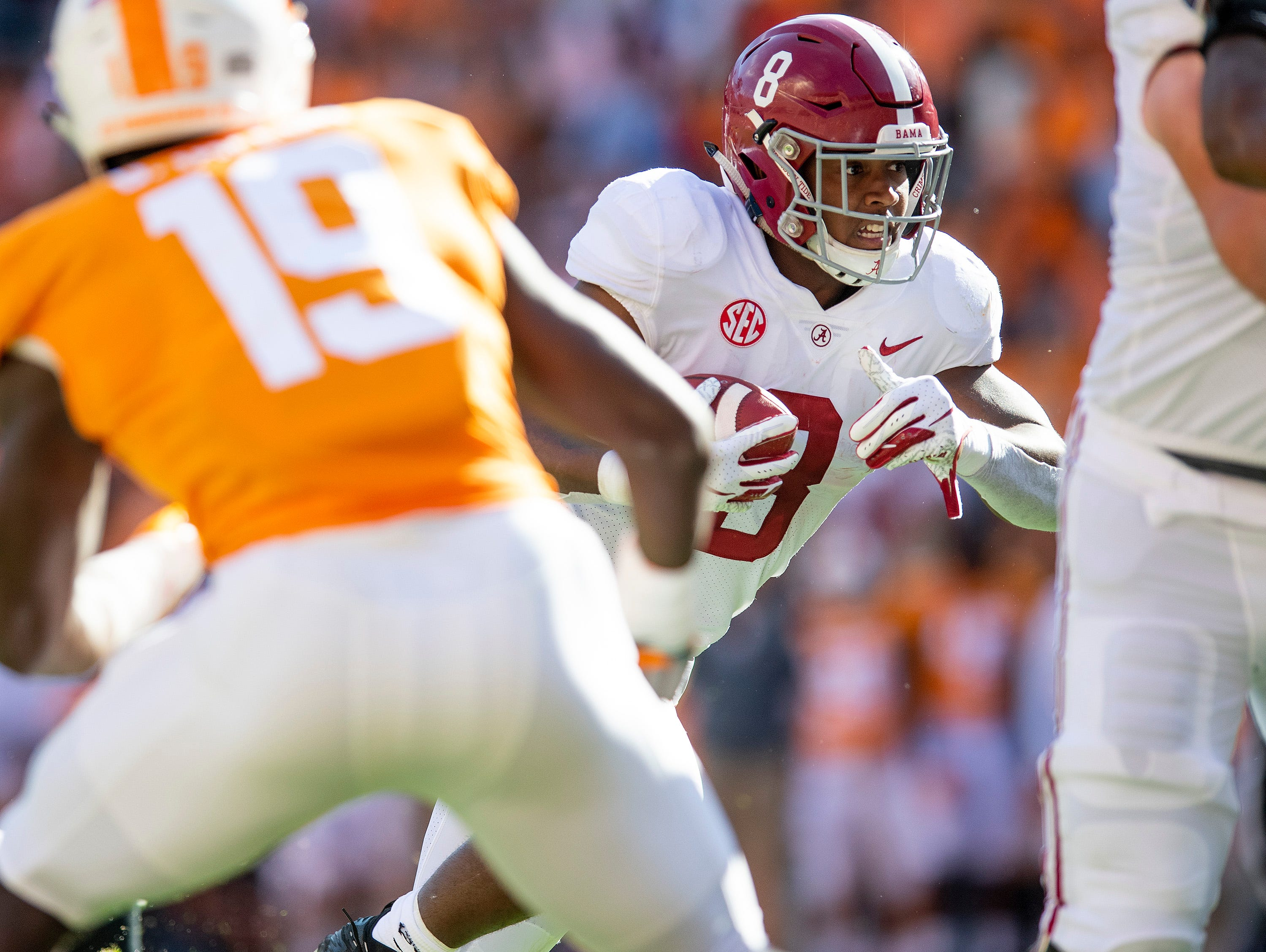 Alabama running back Josh Jacobs (8) carries the ball for a touchdown against Tennessee in first half action at Neyland Stadium in Knoxville, Tn., on Saturday October 20, 2018.